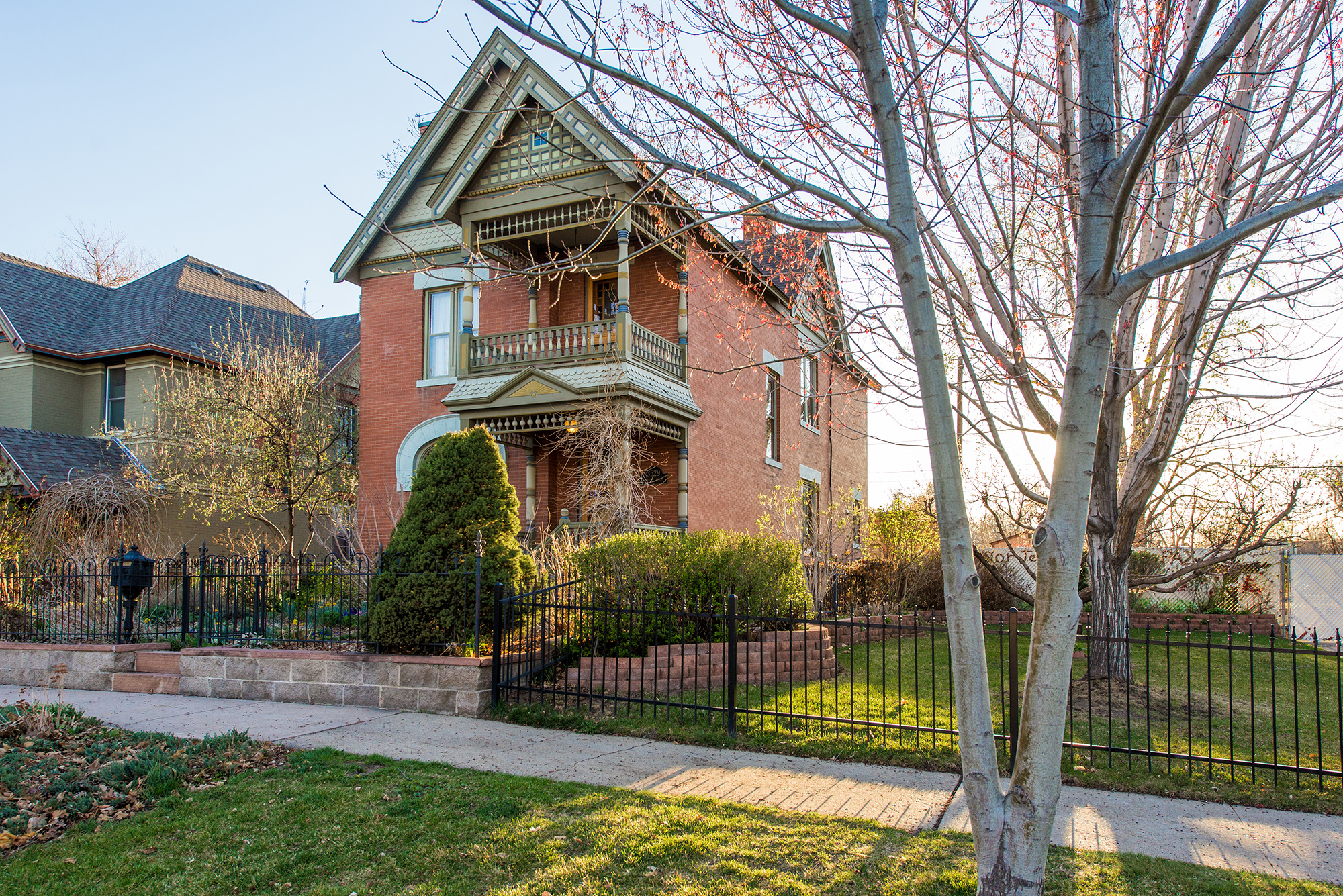 3529 Wyandot Street. Listed by LIV Sotheby's International Realty for $995,000.