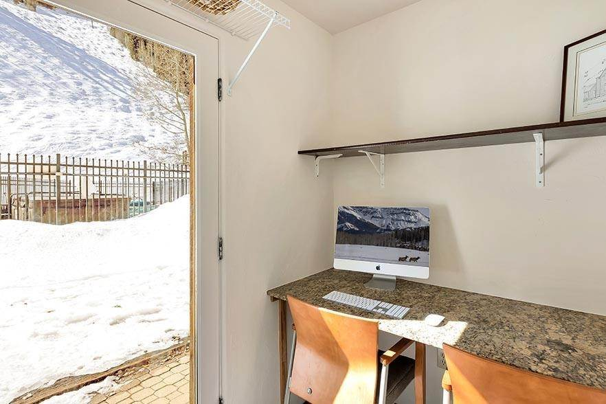 14. Condo for Active at 350 Mahoney Drive Telluride, Colorado 81435 United States