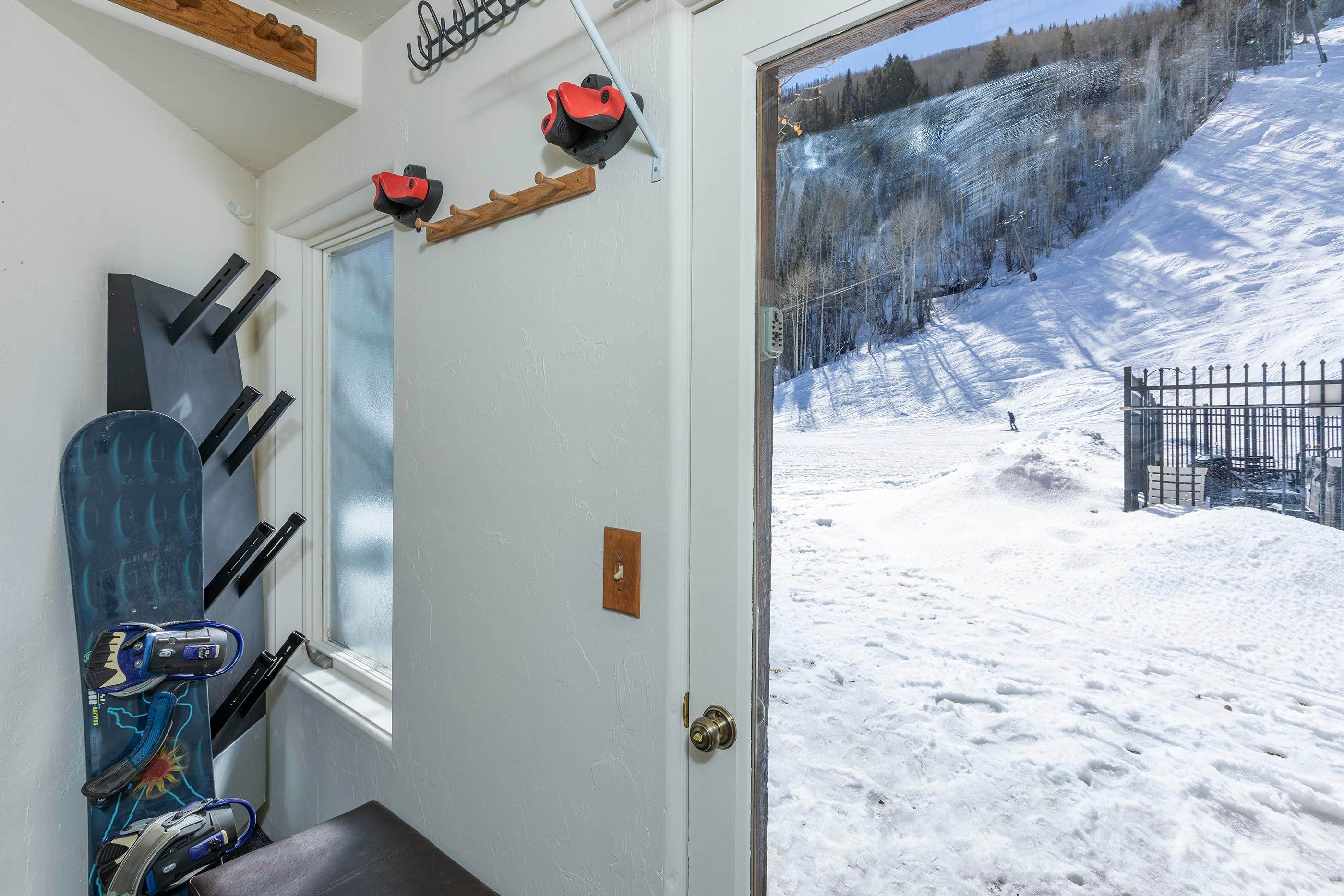16. Condo for Active at 350 Mahoney Drive Telluride, Colorado 81435 United States