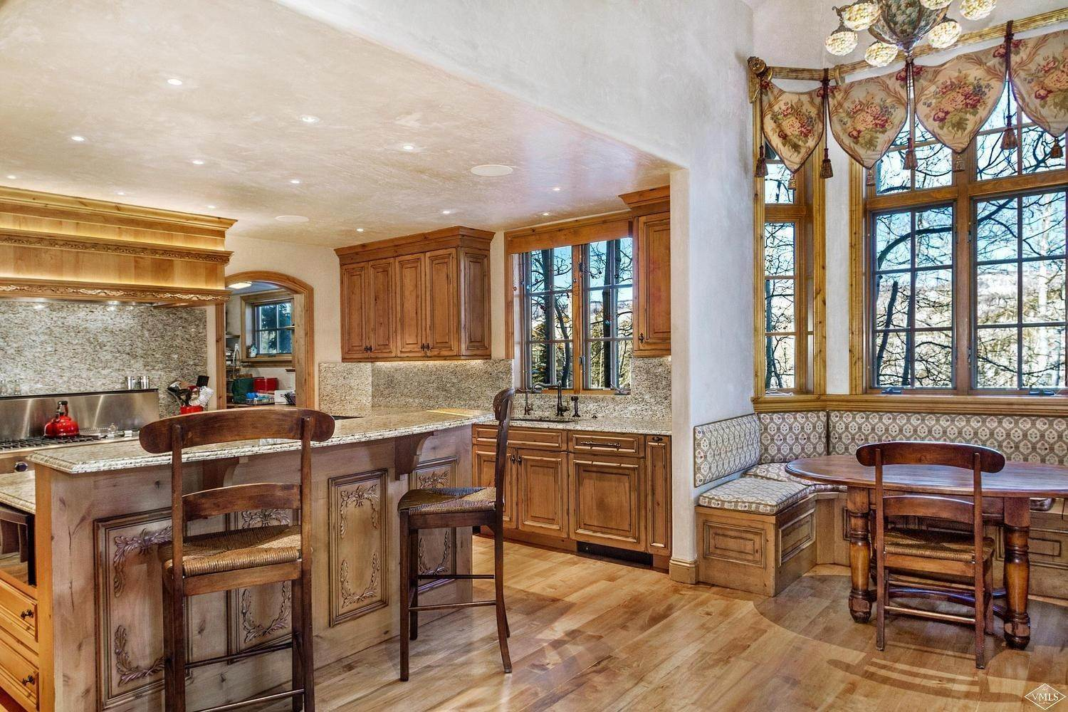 13. Single Family Homes for Active at 22 Strawberry Park Road Beaver Creek, Colorado 81620 United States