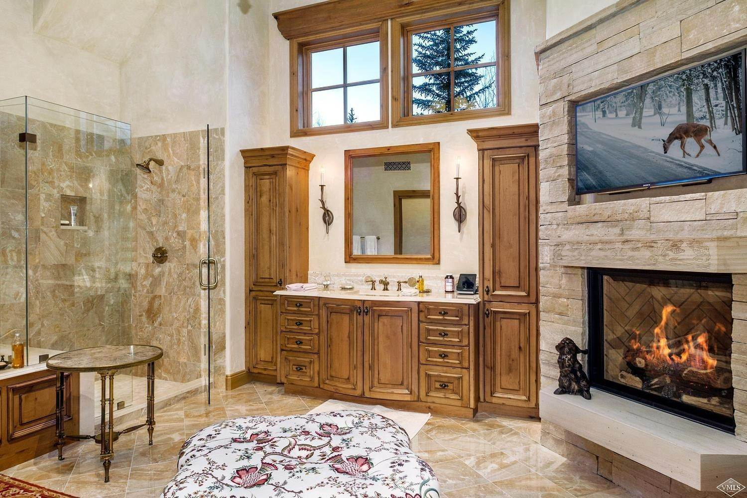 15. Single Family Homes for Active at 22 Strawberry Park Road Beaver Creek, Colorado 81620 United States