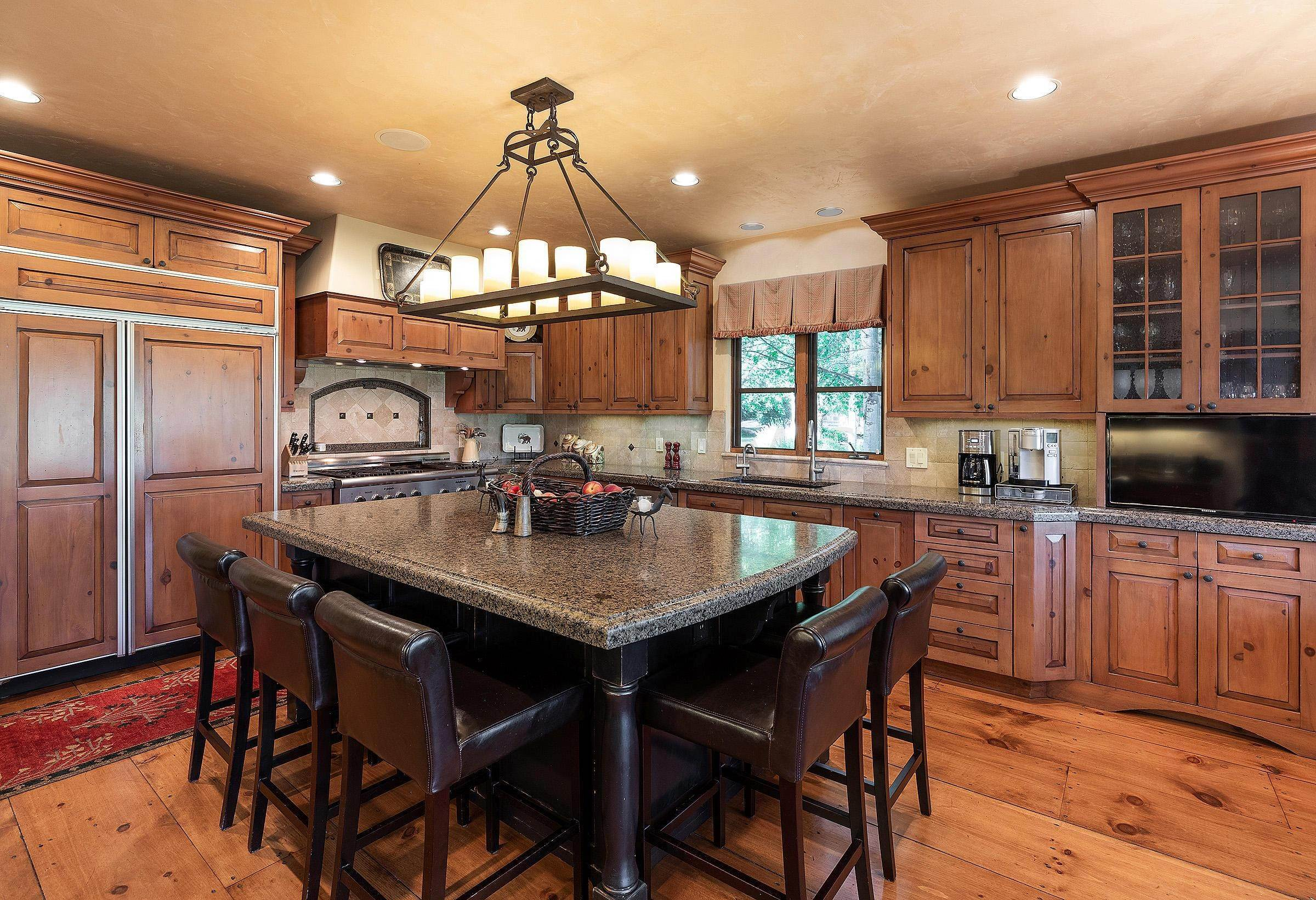 9. Single Family Homes for Active at 82 Turnberry Place Avon, Colorado 81620 United States