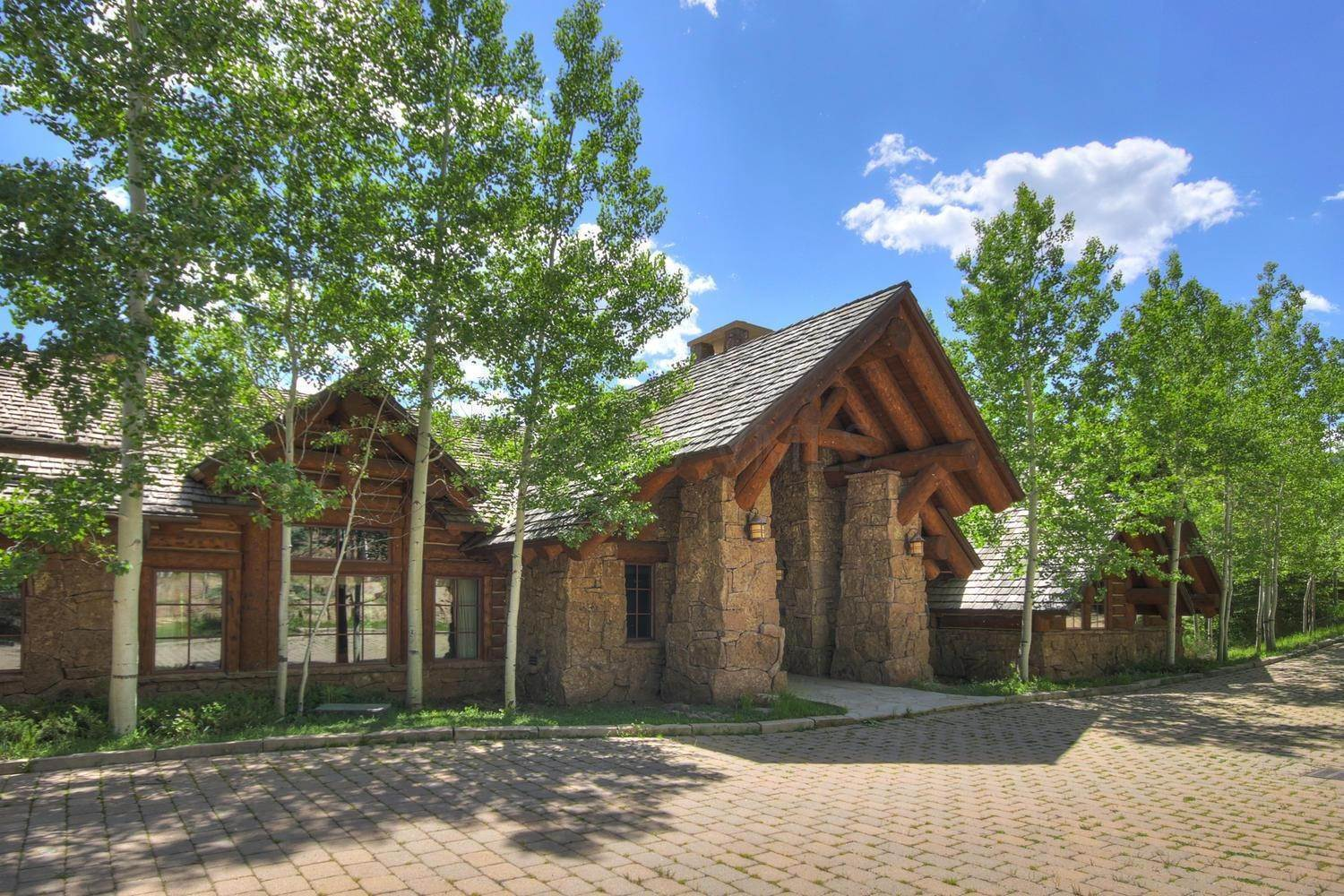 Single Family Homes for Active at 924 Bachelor Ridge Road Beaver Creek, Colorado 81620 United States