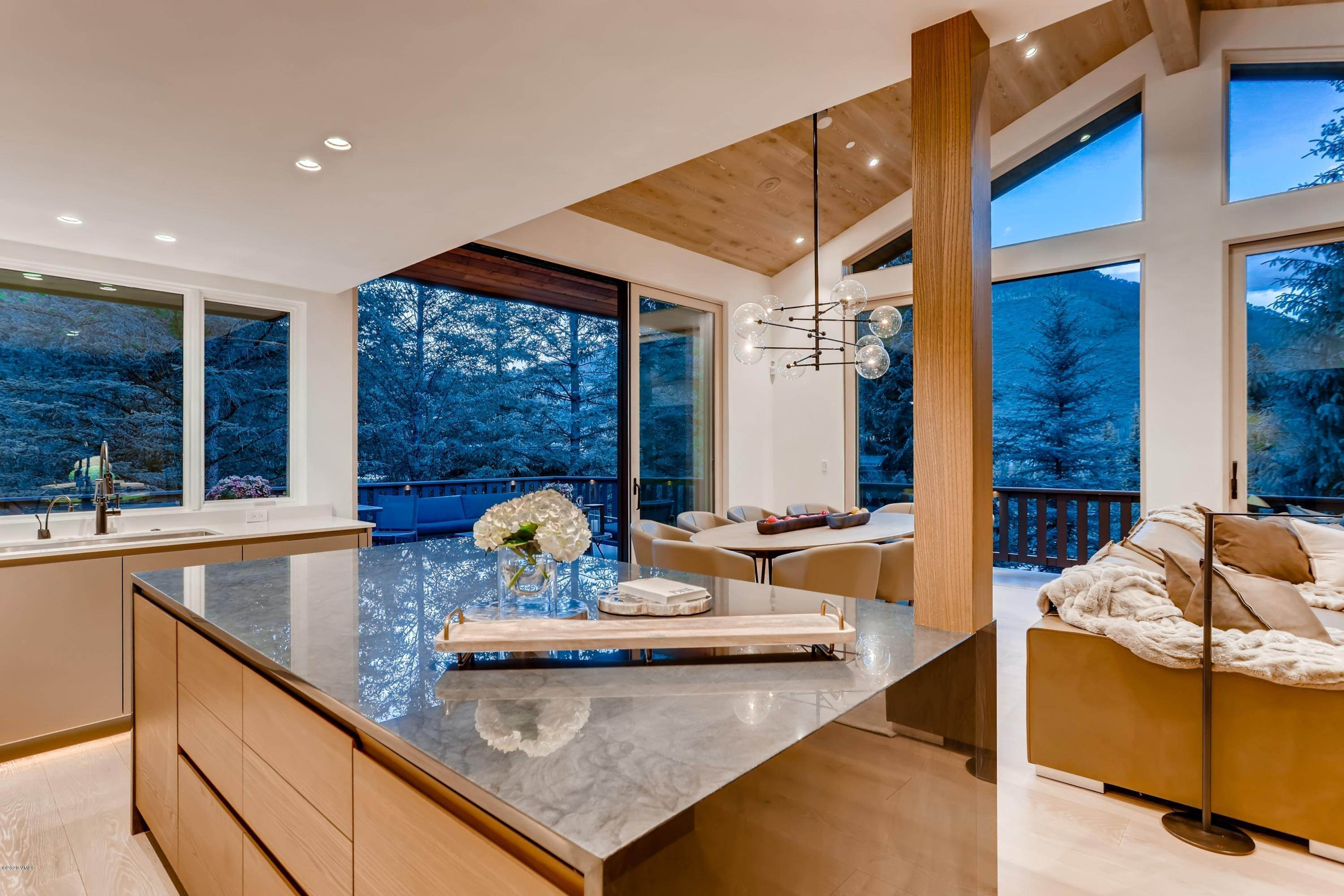 6. Multi-Family Homes for Active at 355 Forest Road Vail, Colorado 81657 United States