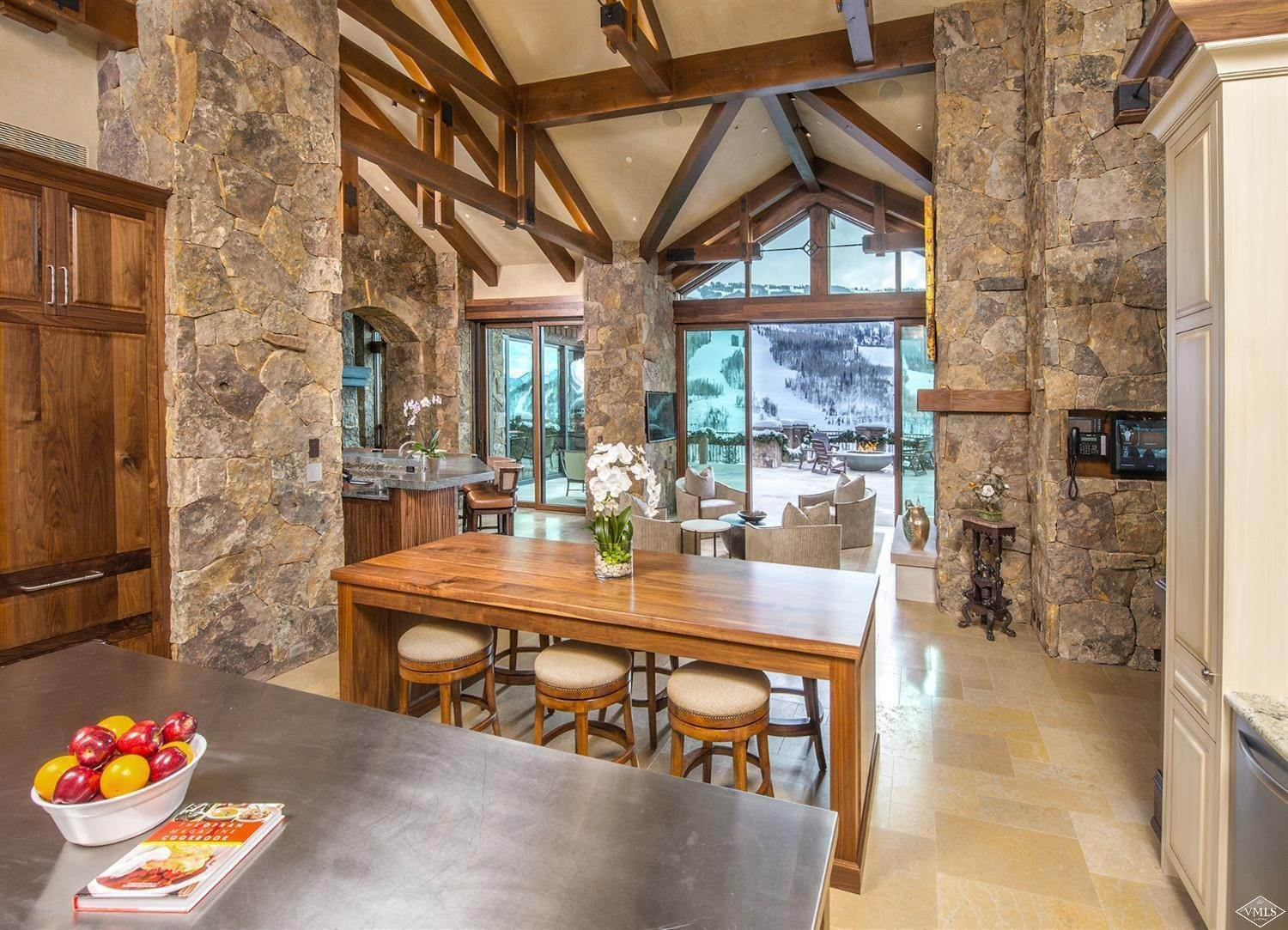 9. Single Family Homes for Active at 1000 Spraddle Creek Road Vail, Colorado 81657 United States
