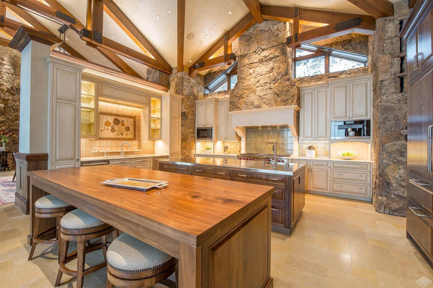 15. Single Family Homes for Active at 1000 Spraddle Creek Road Vail, Colorado 81657 United States