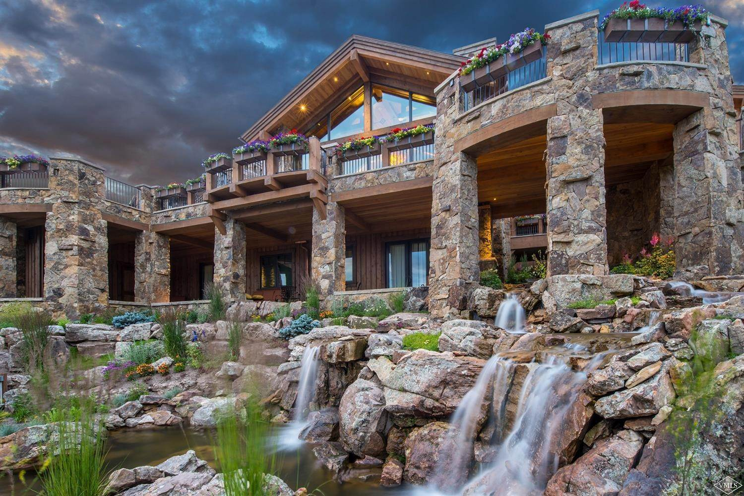 20. Single Family Homes for Active at 1000 Spraddle Creek Road Vail, Colorado 81657 United States