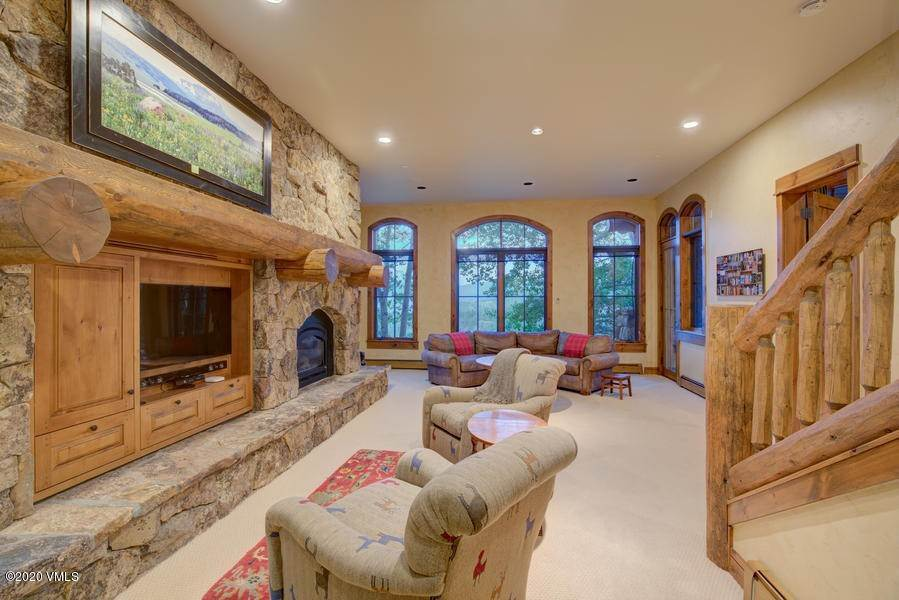 14. Single Family Homes for Active at 1026 Bachelor Ridge Road Edwards, Colorado 81632 United States