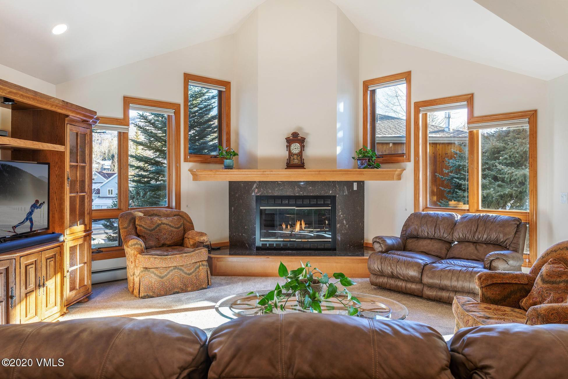 Single Family Homes for Active at 35 Lathrop Lane Edwards, Colorado 81632 United States