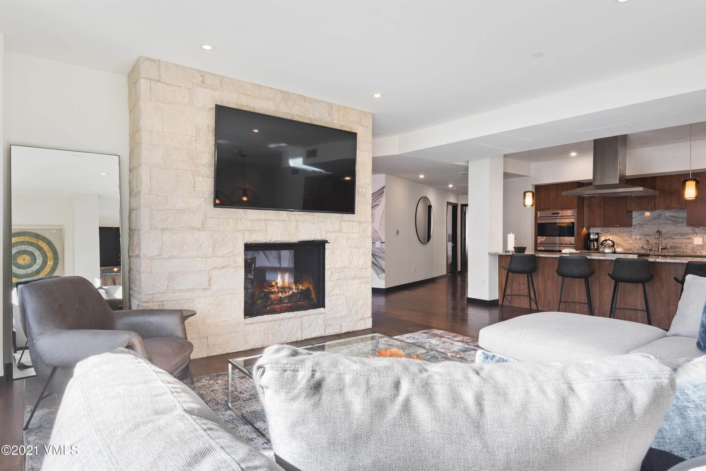 6. Condominiums for Active at 701 Lionshead Circle Vail, Colorado 81657 United States