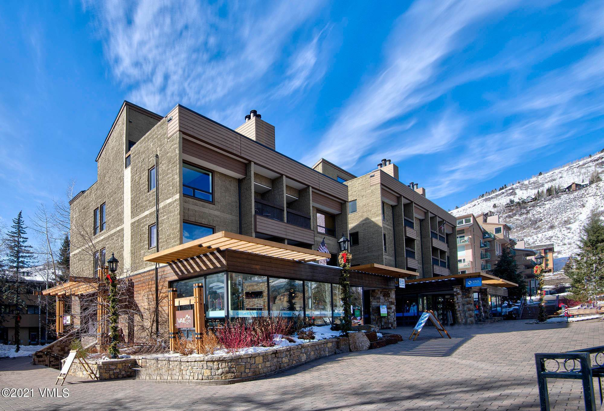 20. Condominiums for Active at 521 Lionshead Circle Vail, Colorado 81657 United States