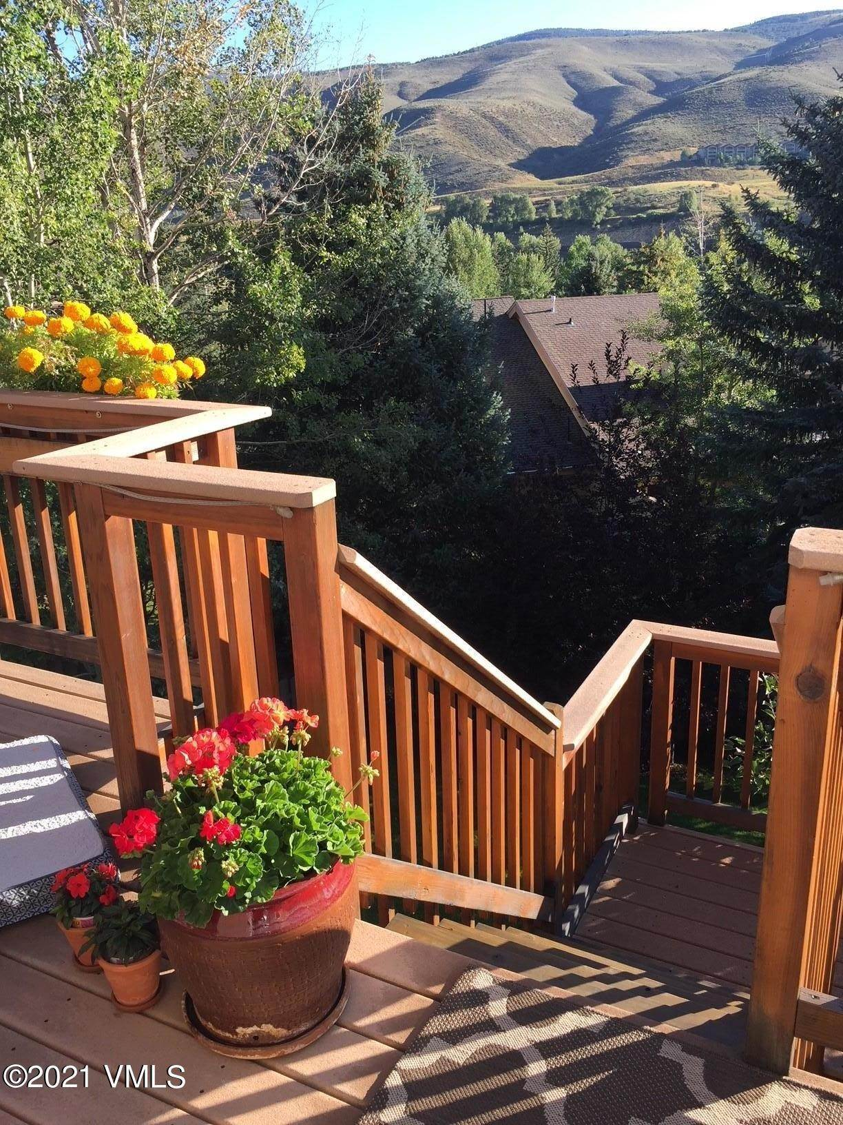 14. Multi-Family Homes for Active at 1377 Deer Boulevard Beaver Creek, Colorado 81620 United States