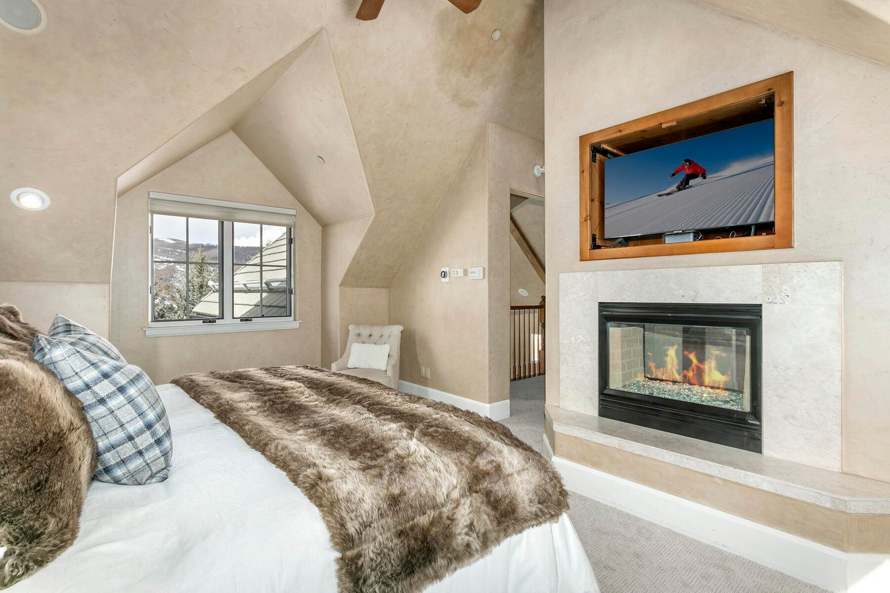 14. Single Family Homes for Active at 517 Kensington Drive Edwards, Colorado 81632 United States