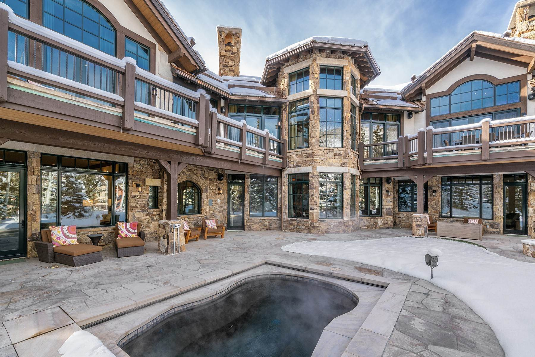 24. Single Family Homes for Active at Coveted Ski-In/Ski-Out in Vail 615 Forest Place Vail, Colorado 81657 United States