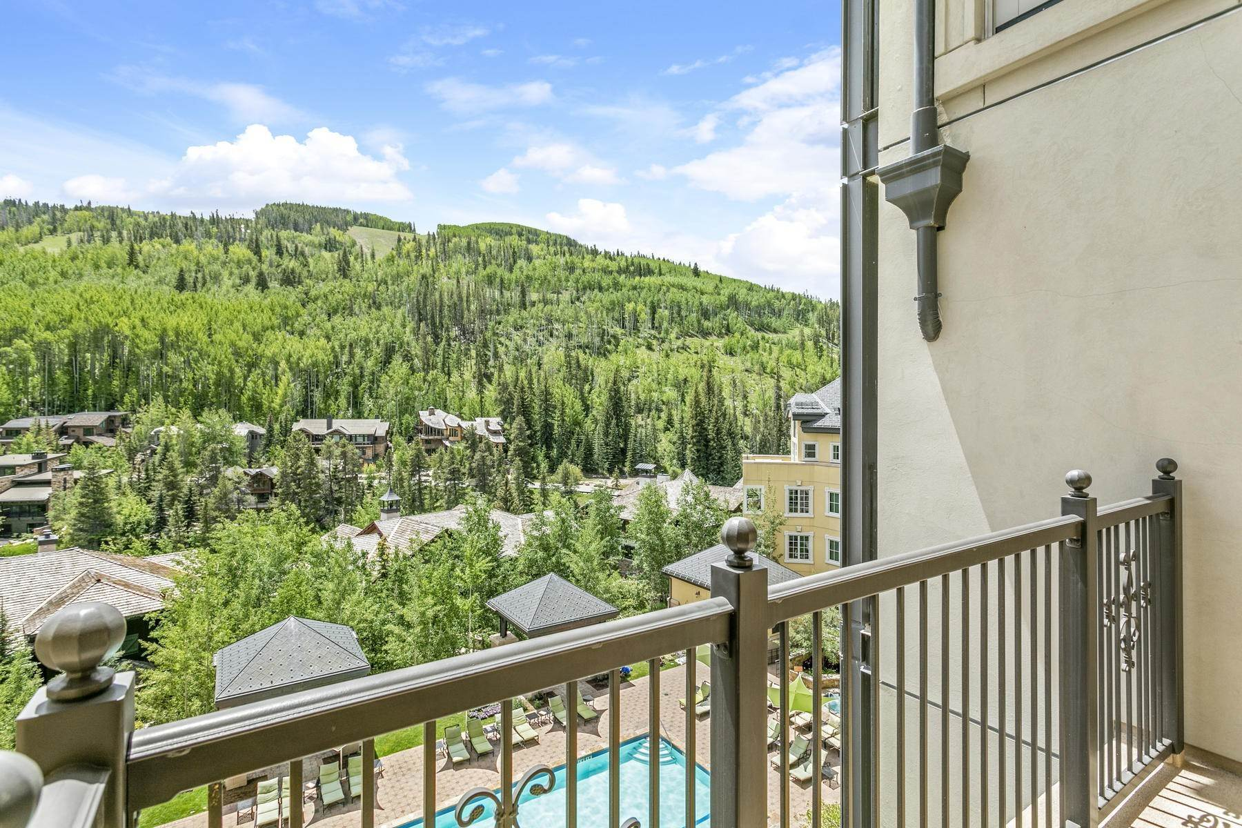 36. Condominiums for Active at The Ritz-Carlton Residences R-517 728 West Lionshead Circle R-517 Vail, Colorado 81657 United States