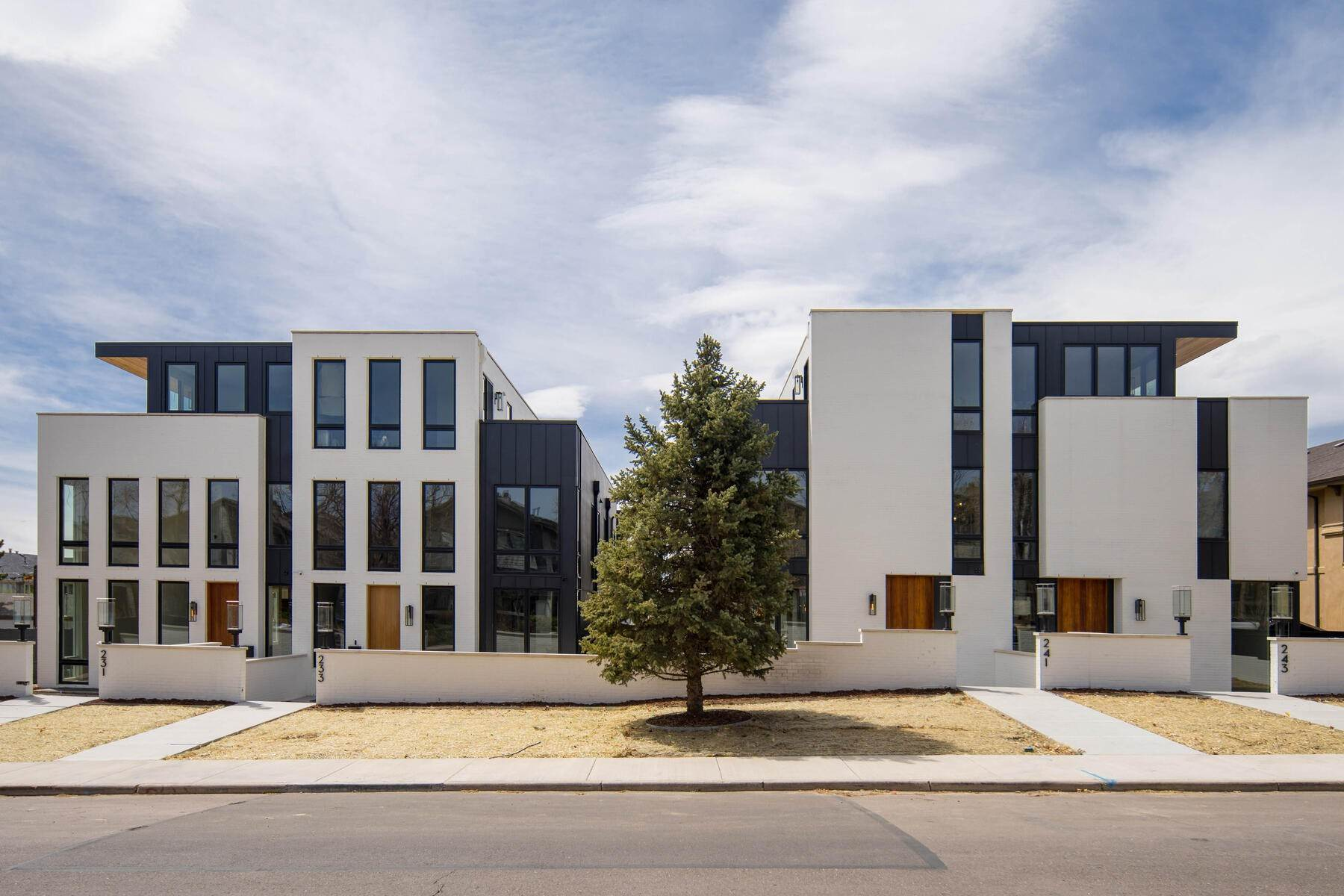 townhouses for Active at Exquisite Attached Urban Residence 221 Garfield Street Denver, Colorado 80209 United States