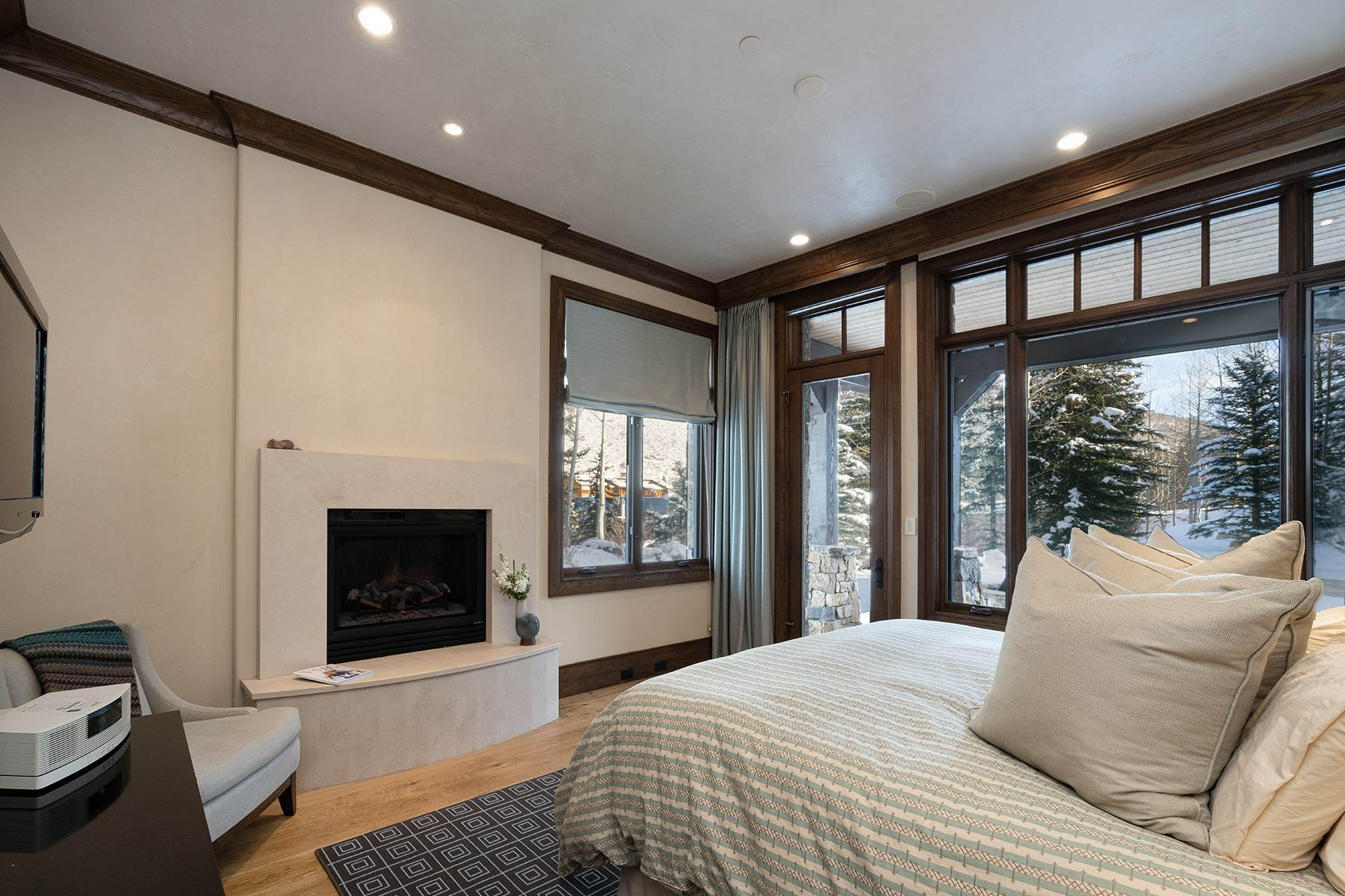 28. Single Family Homes for Active at Coveted Ski-In/Ski-Out in Vail 615 Forest Place Vail, Colorado 81657 United States
