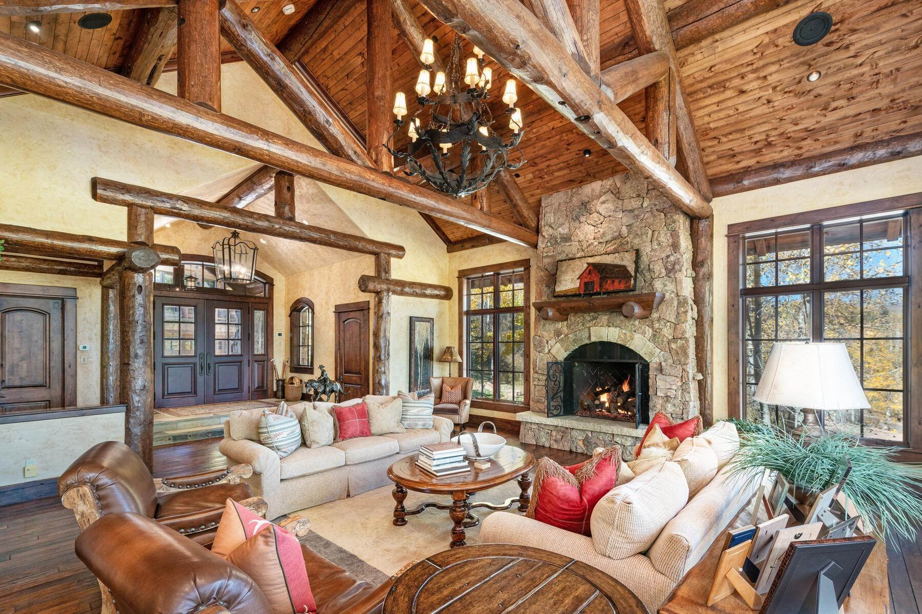 11. Single Family Homes for Active at Ski-in, ski-out residence with panoramic views 602 Bachelor Ridge Road Beaver Creek, Colorado 81620 United States