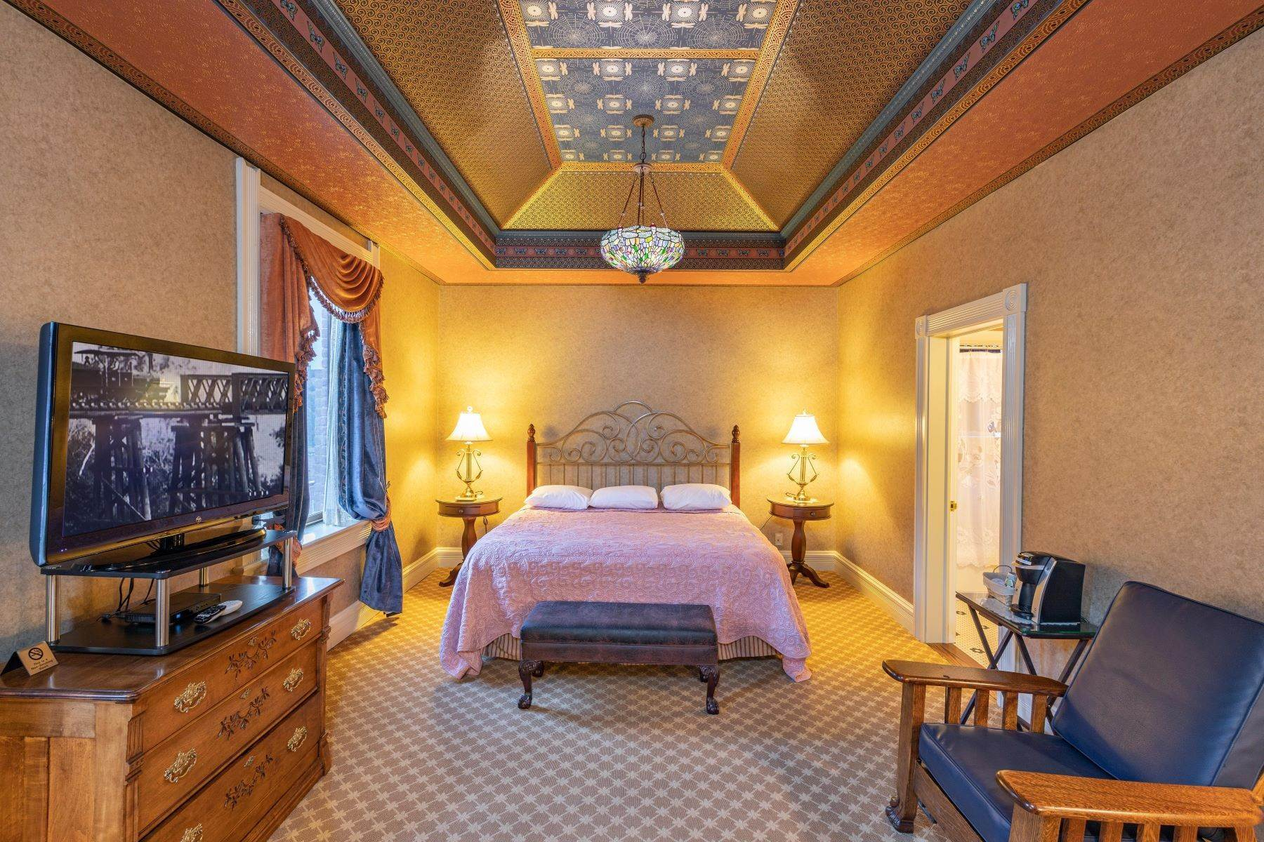 29. Single Family Homes for Active at The Beaumont Hotel 505 Main Street Ouray, Colorado 81427 United States
