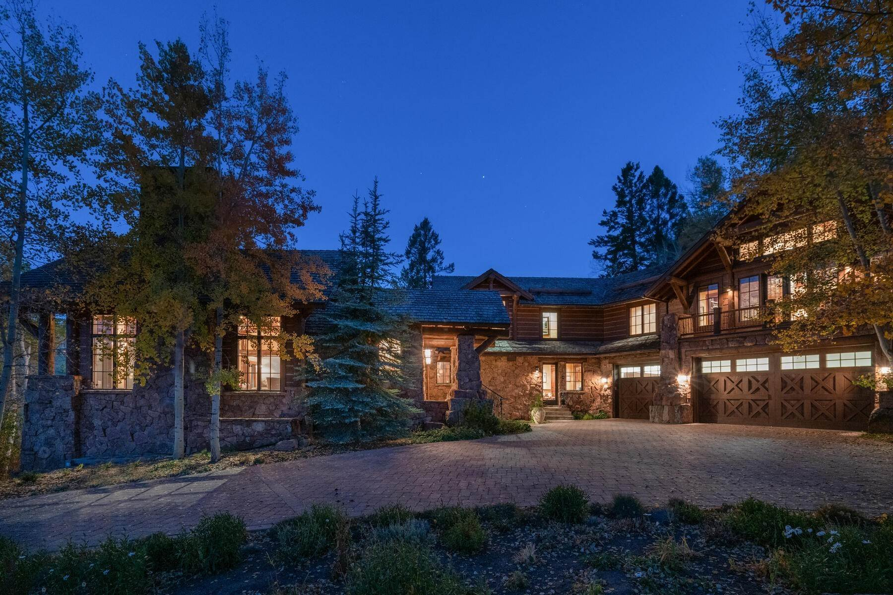 5. Single Family Homes for Active at Ski-in, ski-out residence with panoramic views 602 Bachelor Ridge Road Beaver Creek, Colorado 81620 United States