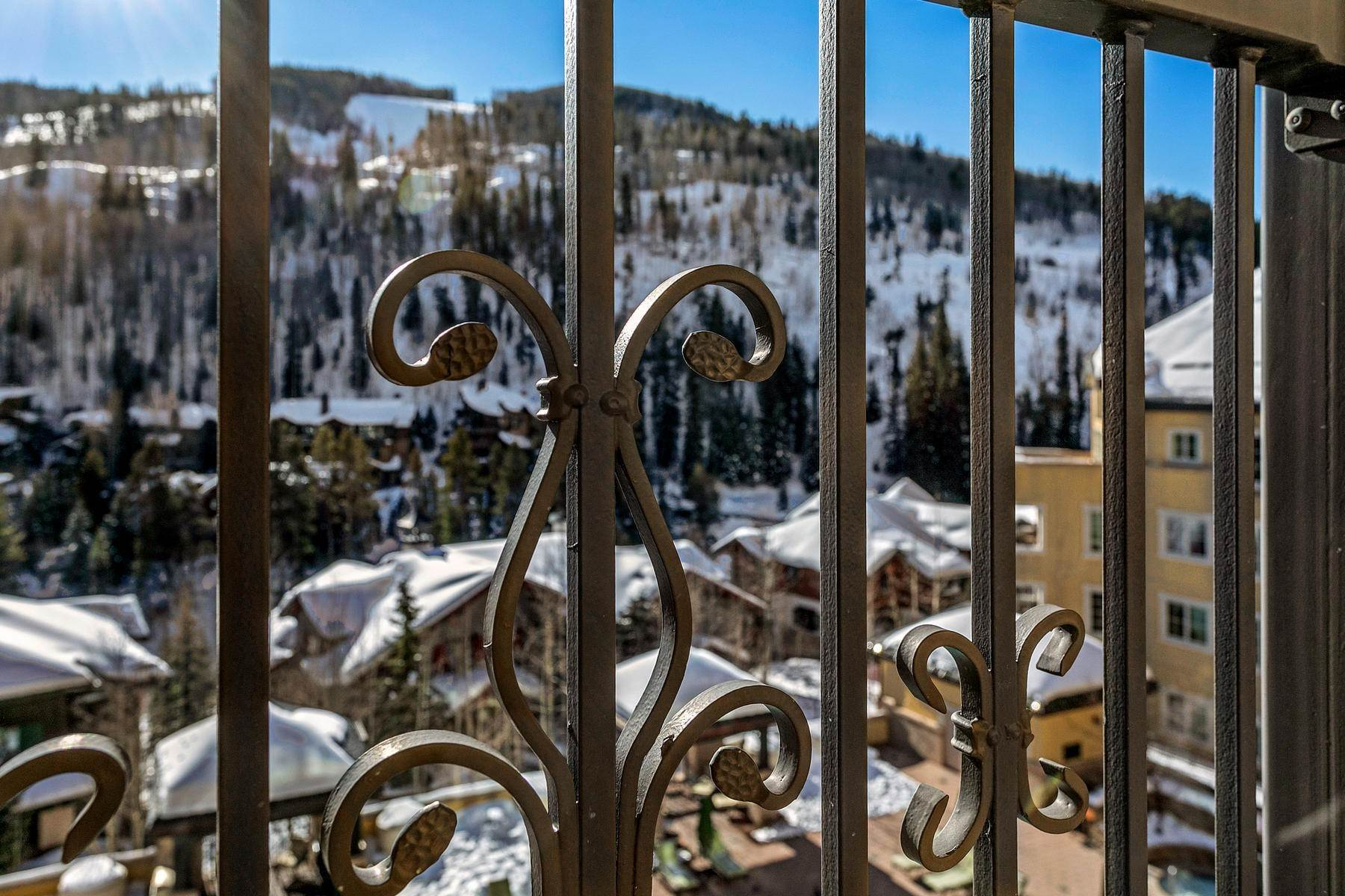 35. Condominiums for Active at The Ritz-Carlton Residences R-517 728 West Lionshead Circle R-517 Vail, Colorado 81657 United States