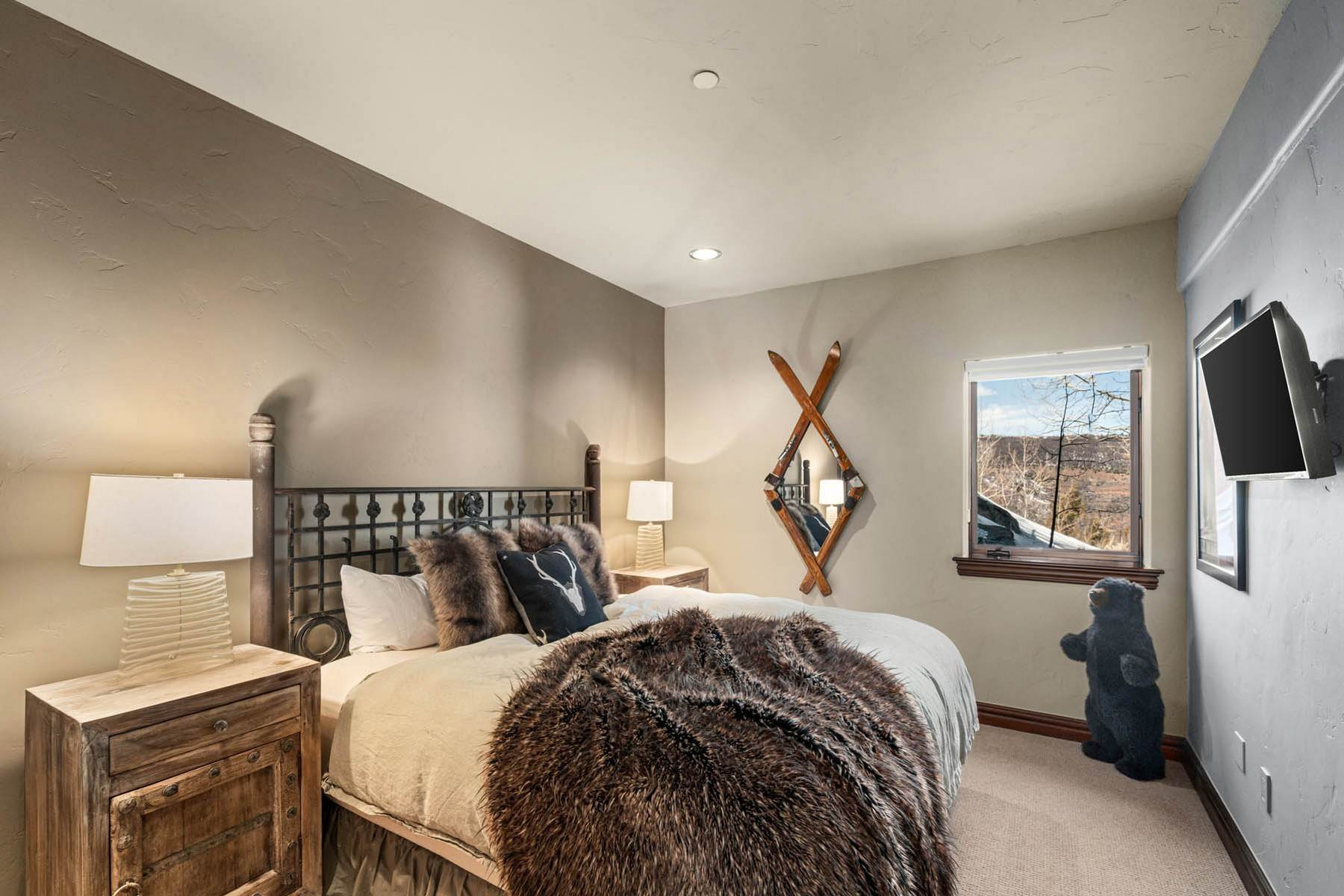 47. Single Family Homes for Active at Situated atop Casteel Ridge 240 Casteel Ridge Edwards, Colorado 81632 United States