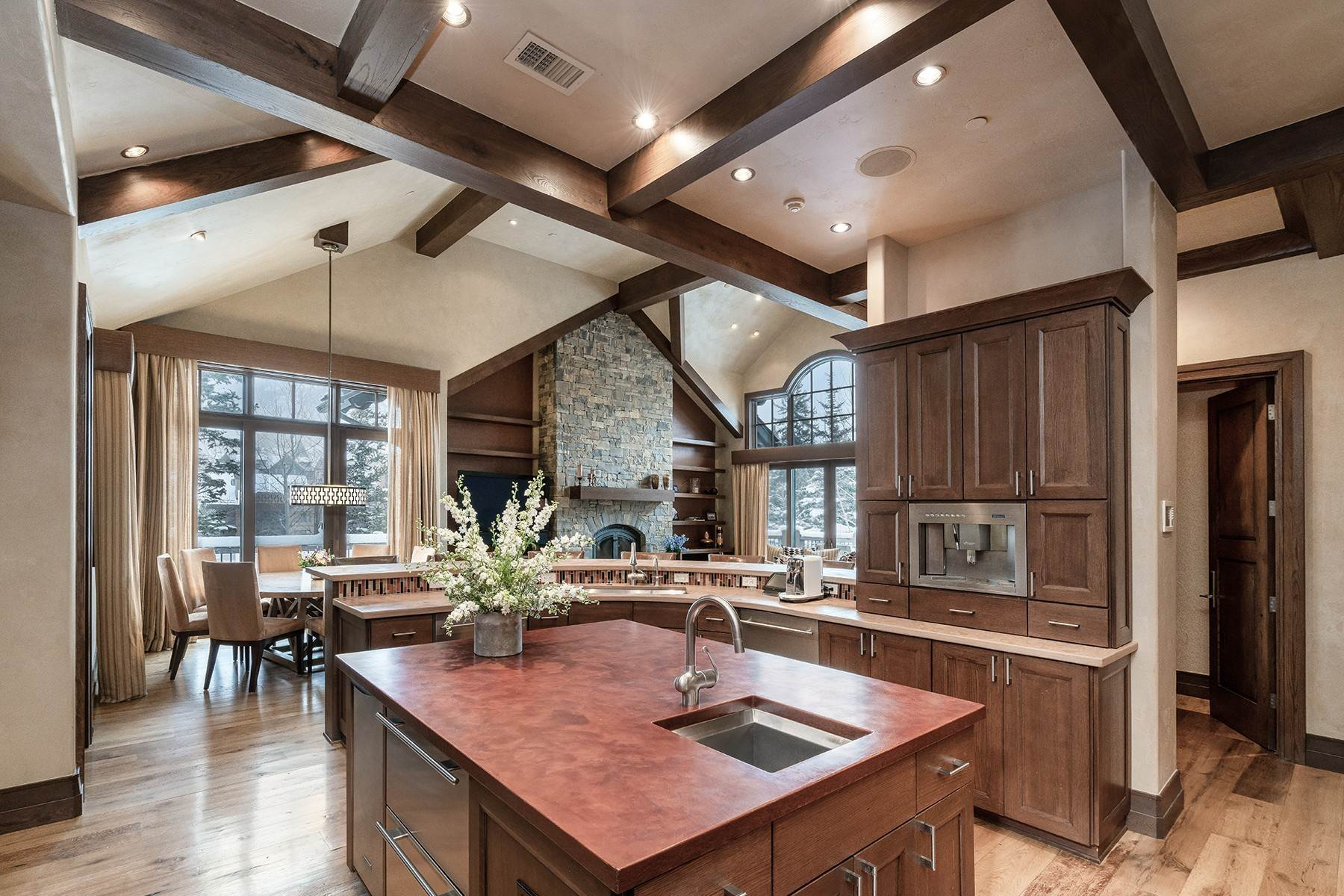 10. Single Family Homes for Active at Coveted Ski-In/Ski-Out in Vail 615 Forest Place Vail, Colorado 81657 United States