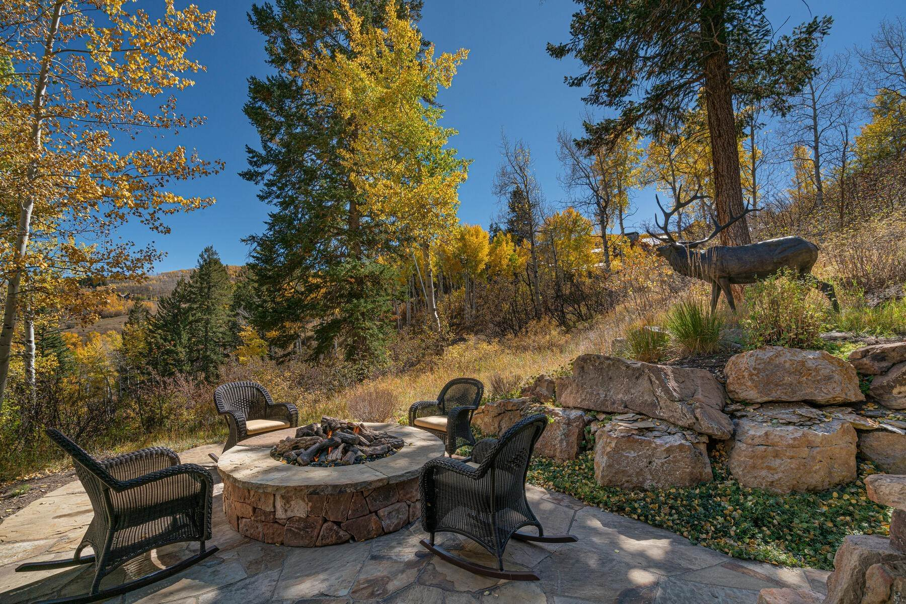 48. Single Family Homes for Active at Ski-in, ski-out residence with panoramic views 602 Bachelor Ridge Road Beaver Creek, Colorado 81620 United States