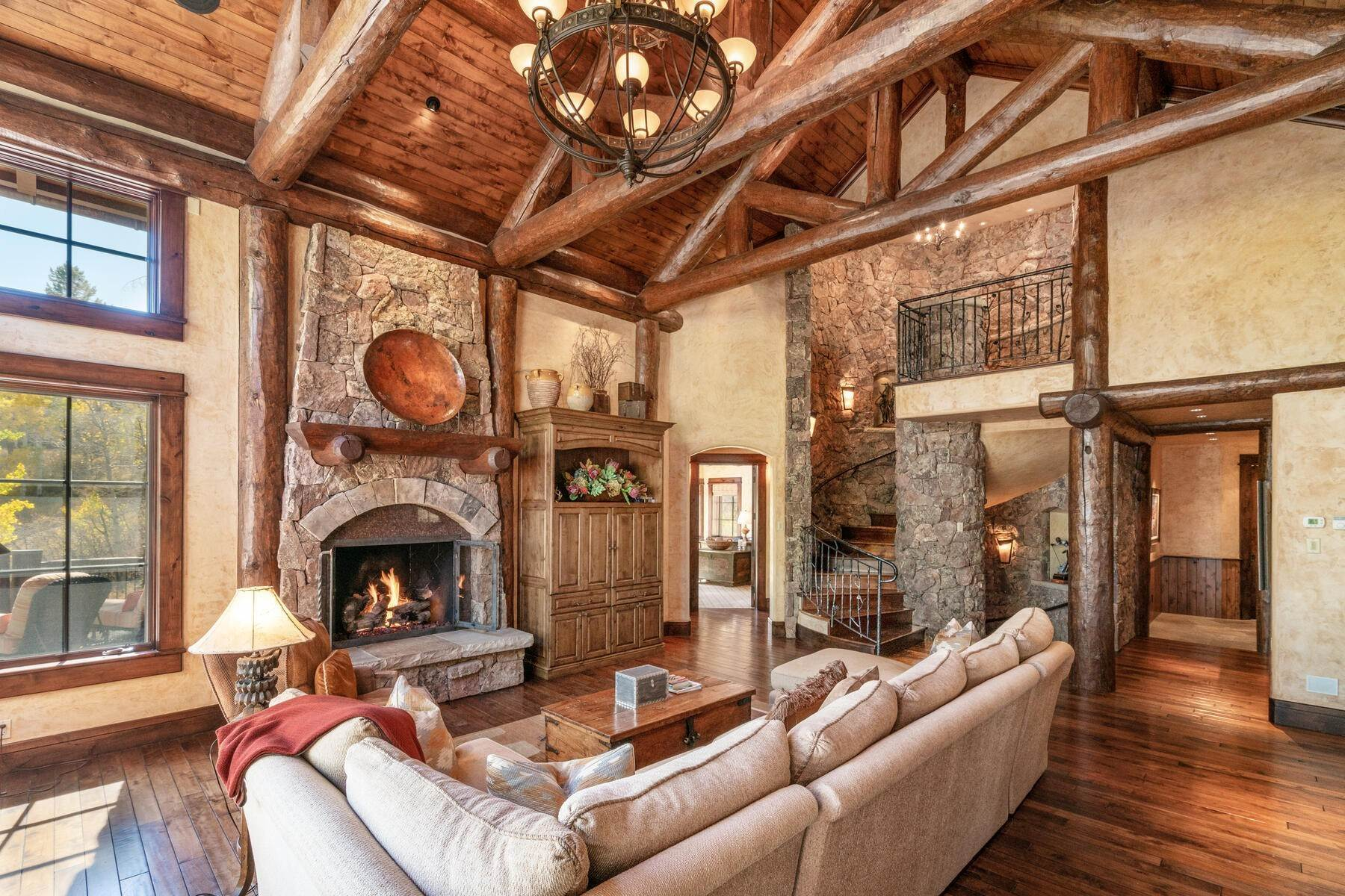 28. Single Family Homes for Active at Ski-in, ski-out residence with panoramic views 602 Bachelor Ridge Road Beaver Creek, Colorado 81620 United States