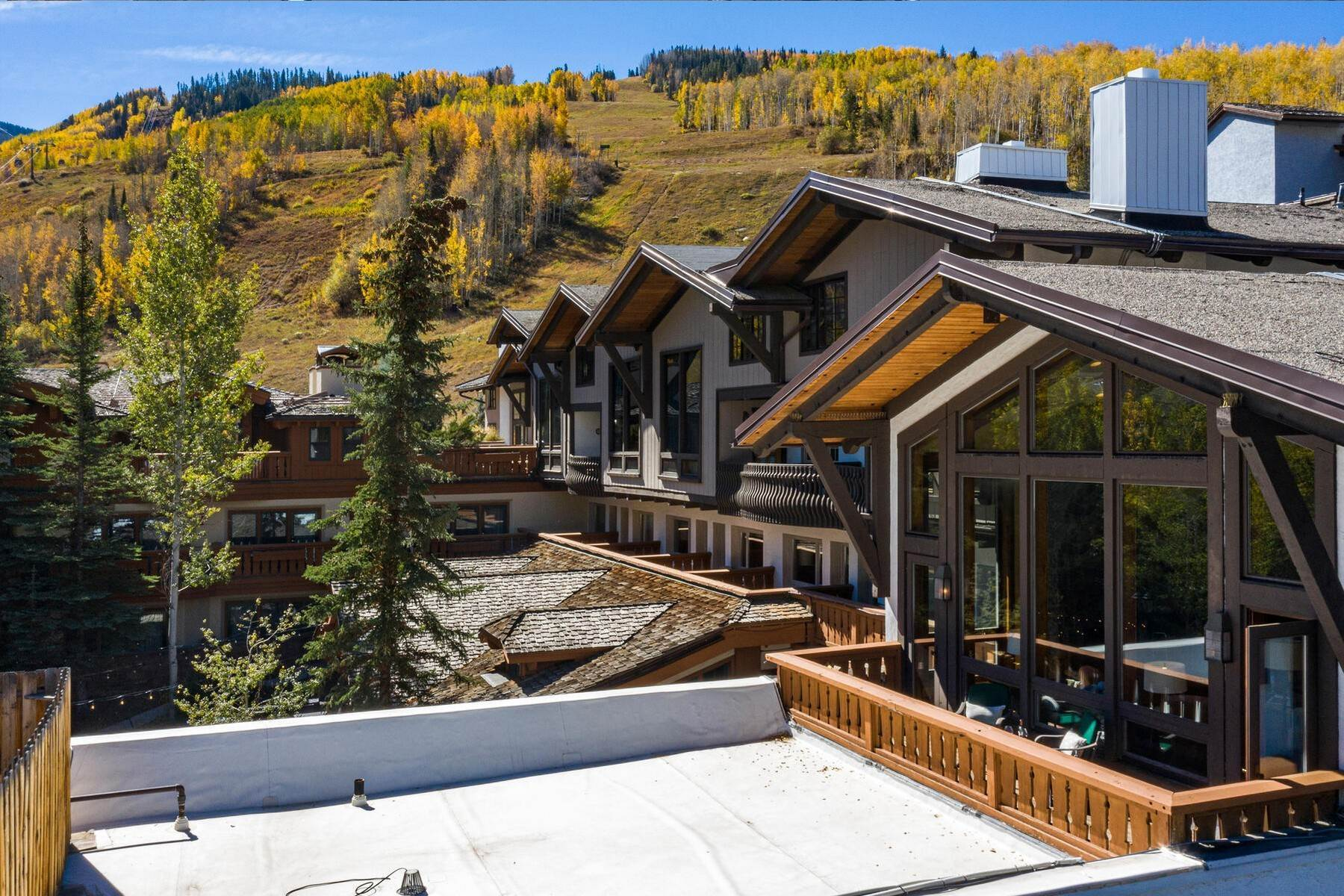 7. Condominiums for Active at Lodge at Vail Penthouse #411 174 Gore Creek Drive #411 Vail, Colorado 81657 United States