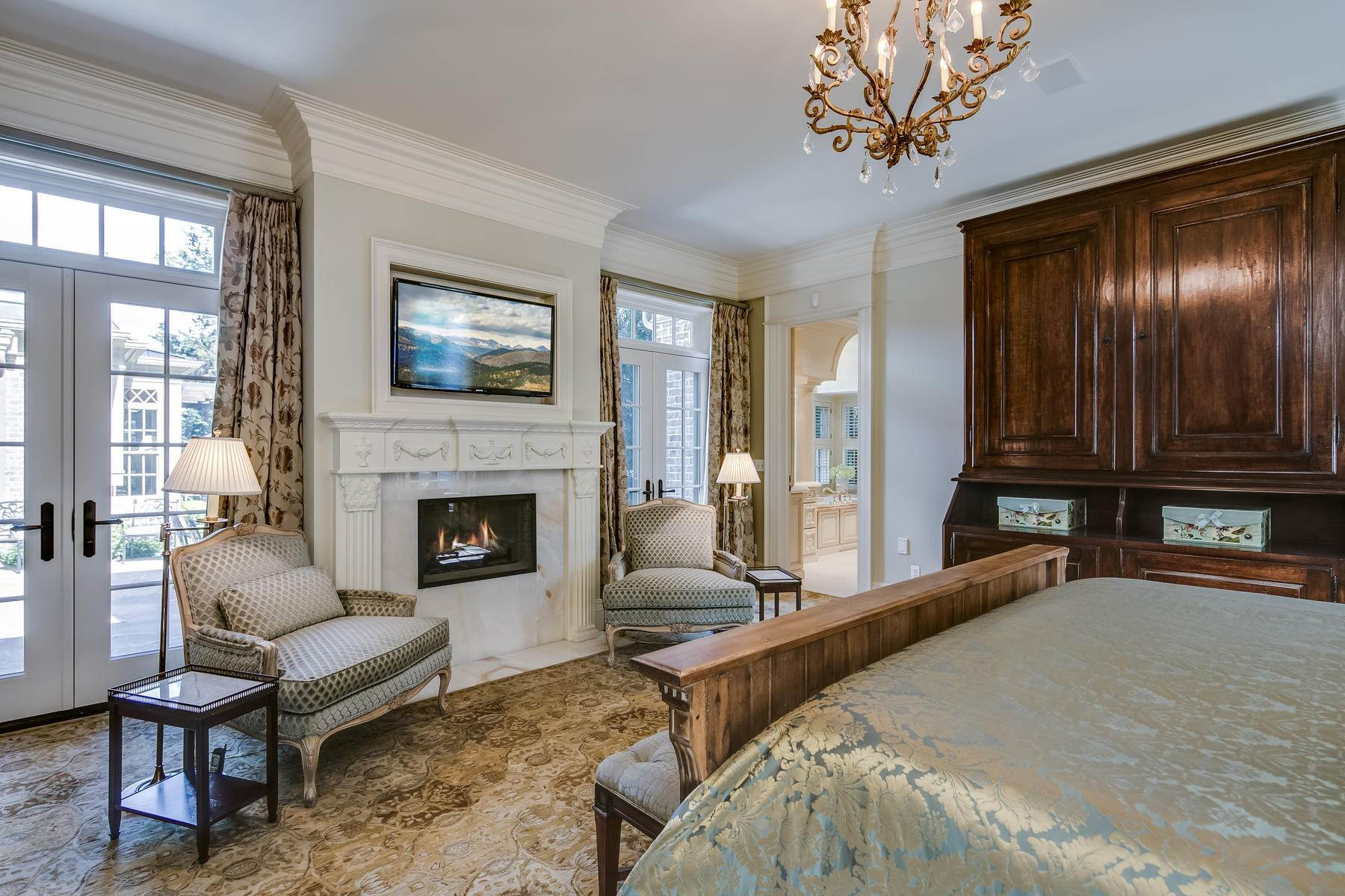 22. Single Family Homes for Active at Effortless Luxury Living Awaits in Prestigious Polo Club 40 Polo Club Circle Denver, Colorado 80209 United States
