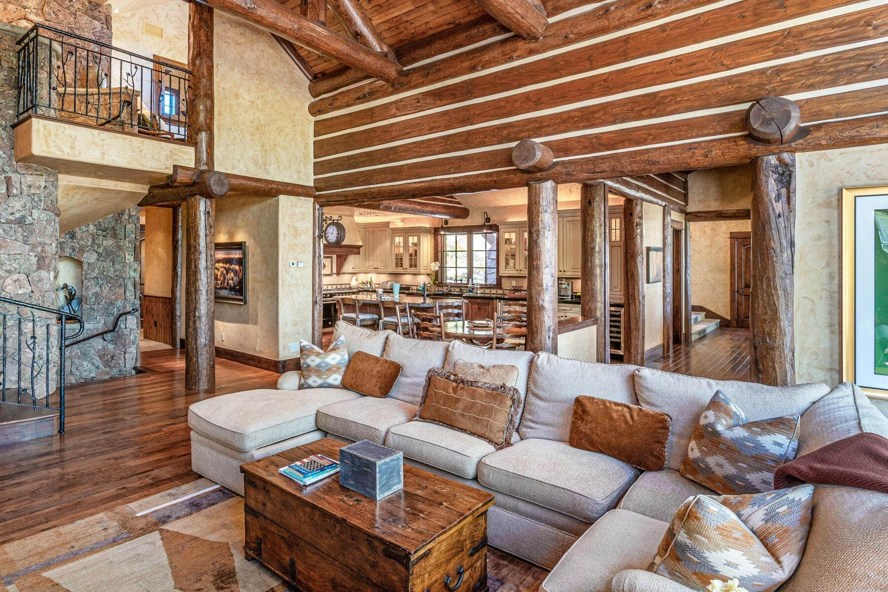 29. Single Family Homes for Active at Ski-in, ski-out residence with panoramic views 602 Bachelor Ridge Road Beaver Creek, Colorado 81620 United States