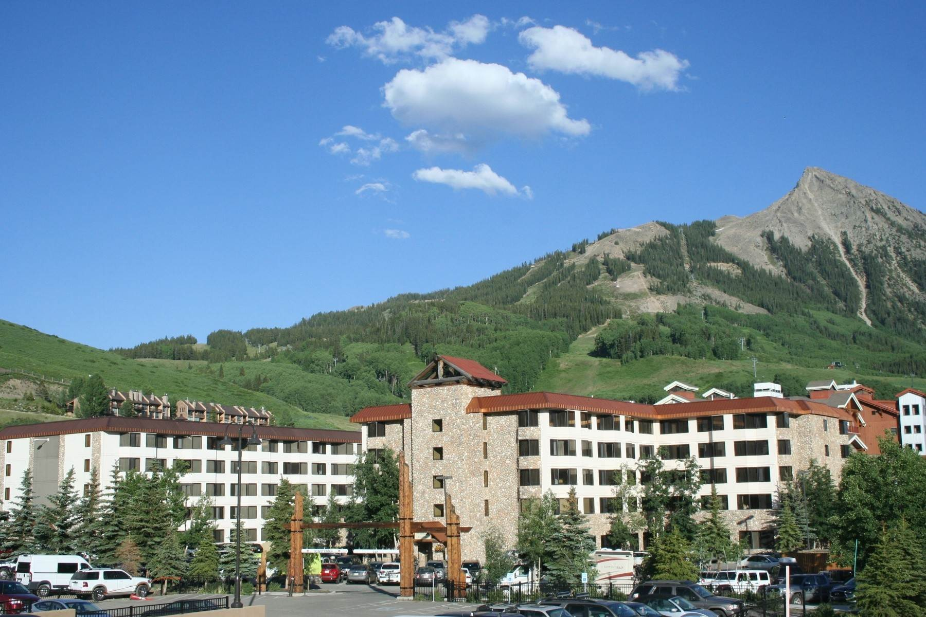 Condominiums for Active at Conveniently Located Condo 6 Emmons Road, Unit 477 Mount Crested Butte, Colorado 81225 United States