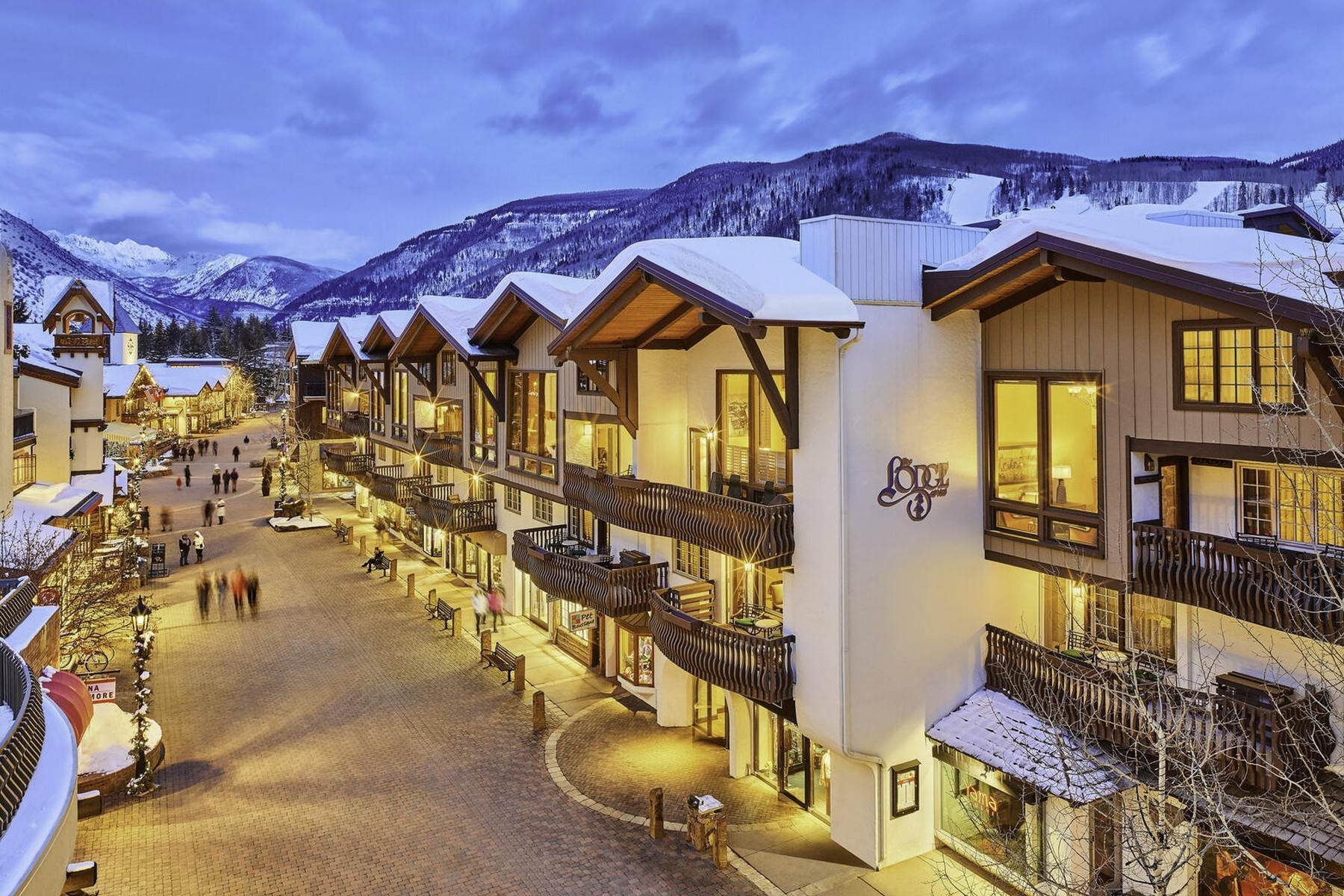 4. Condominiums for Active at Lodge at Vail Penthouse #411 174 Gore Creek Drive #411 Vail, Colorado 81657 United States