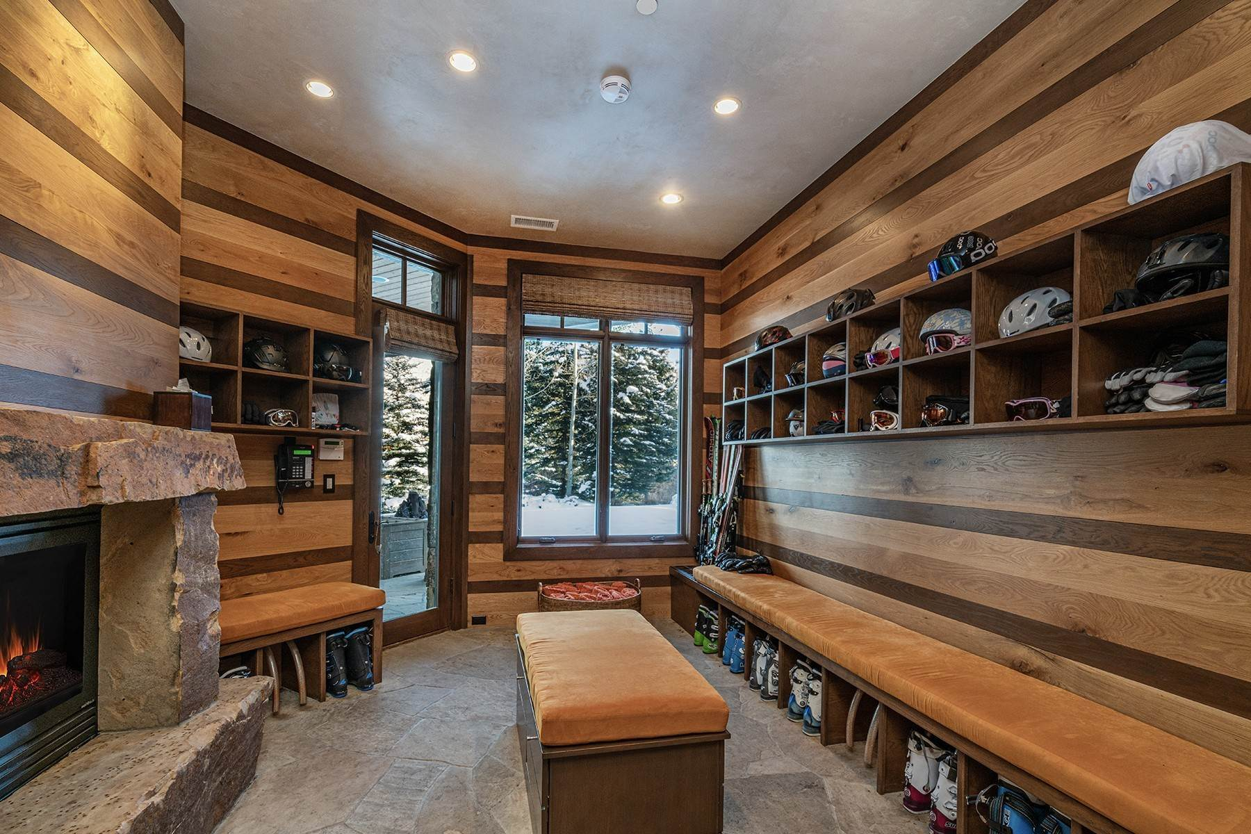 22. Single Family Homes for Active at Coveted Ski-In/Ski-Out in Vail 615 Forest Place Vail, Colorado 81657 United States
