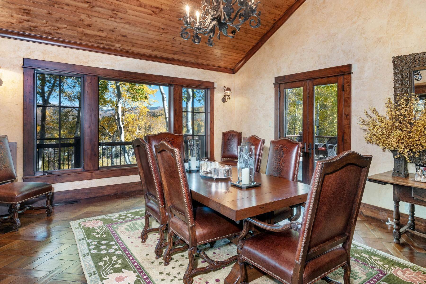 18. Single Family Homes for Active at Ski-in, ski-out residence with panoramic views 602 Bachelor Ridge Road Beaver Creek, Colorado 81620 United States