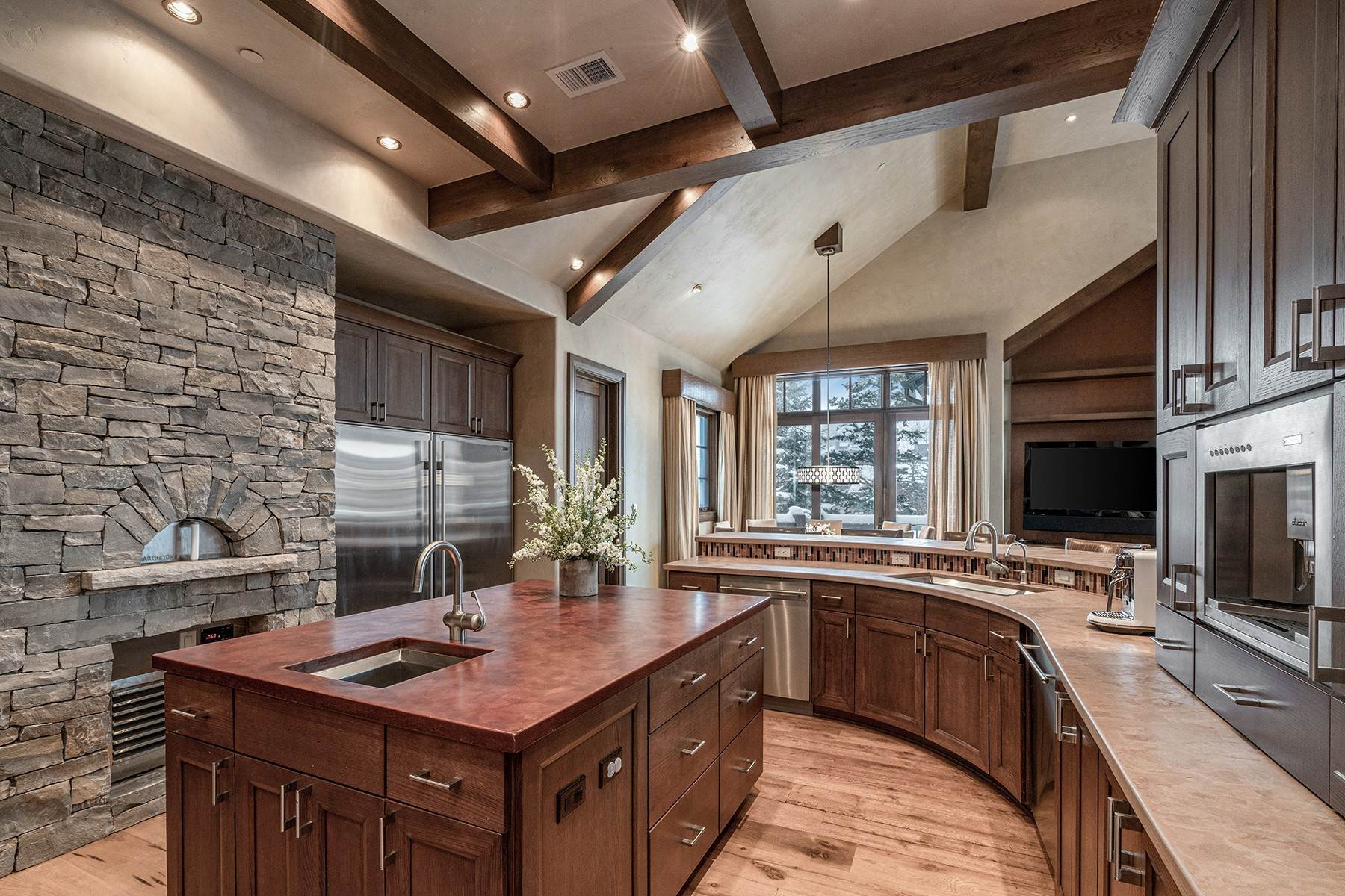 11. Single Family Homes for Active at Coveted Ski-In/Ski-Out in Vail 615 Forest Place Vail, Colorado 81657 United States