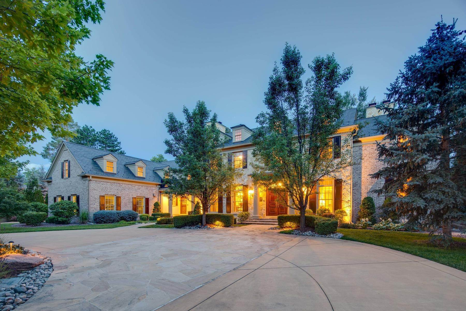 6. Single Family Homes for Active at Effortless Luxury Living Awaits in Prestigious Polo Club 40 Polo Club Circle Denver, Colorado 80209 United States