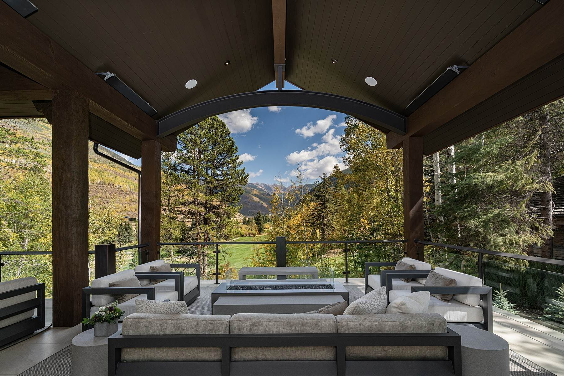 5. Single Family Homes for Active at Legendary Mountain Living 1183 Cabin Circle Vail, Colorado 81657 United States