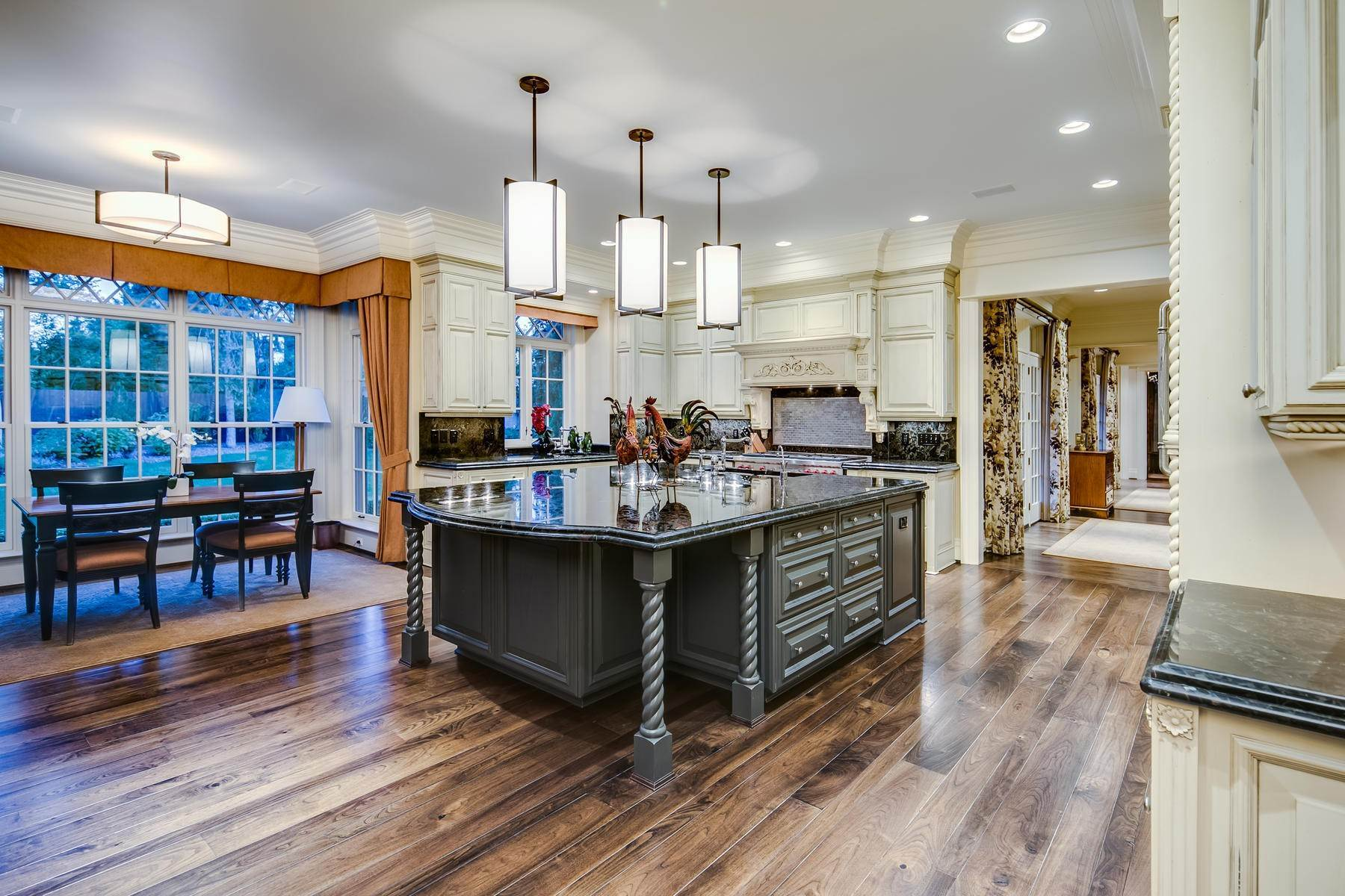 16. Single Family Homes for Active at Effortless Luxury Living Awaits in Prestigious Polo Club 40 Polo Club Circle Denver, Colorado 80209 United States