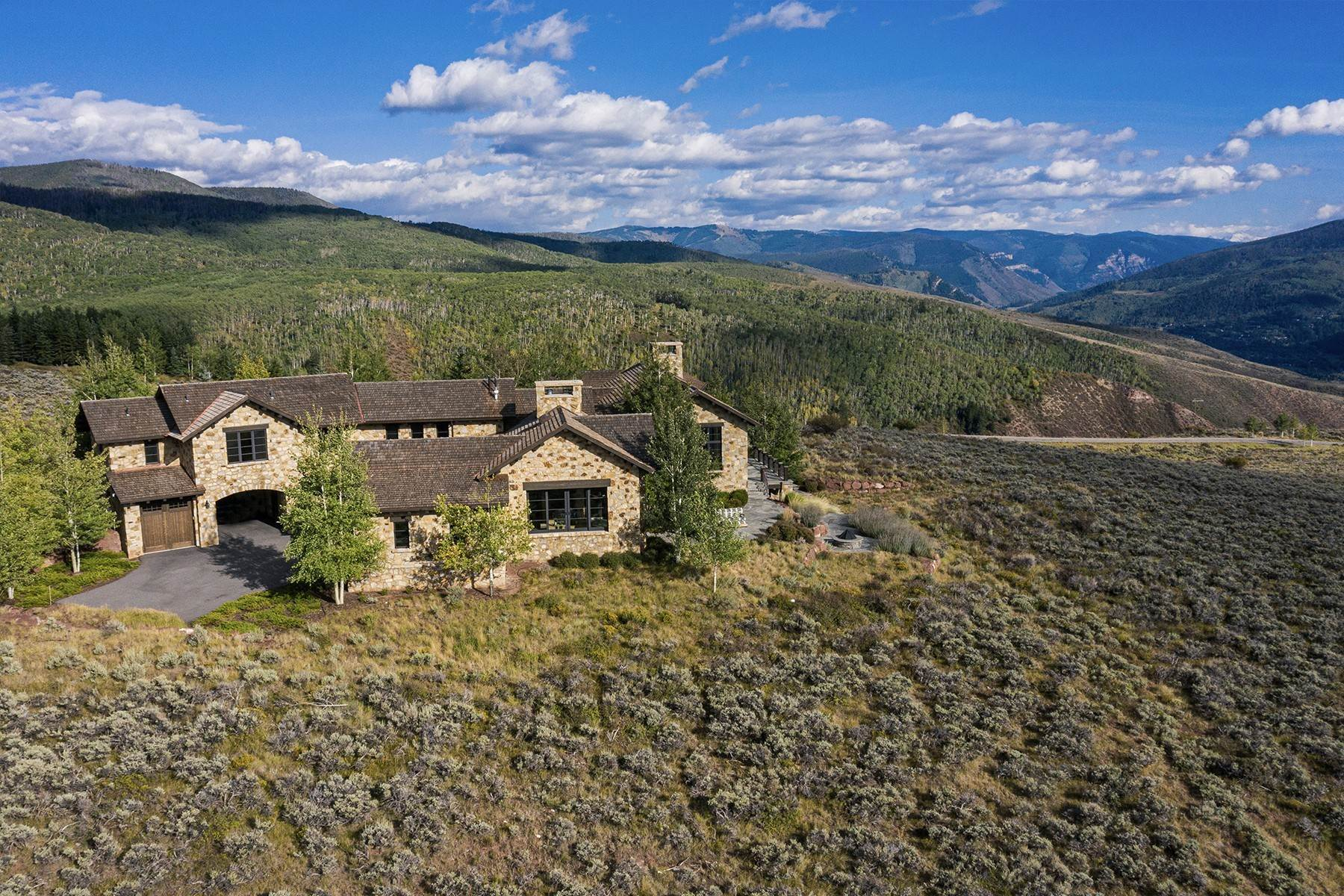 45. Single Family Homes for Active at Modern Mountaintop Luxury with Spectacular Views 587 Paintbrush Avon, Colorado 81620 United States