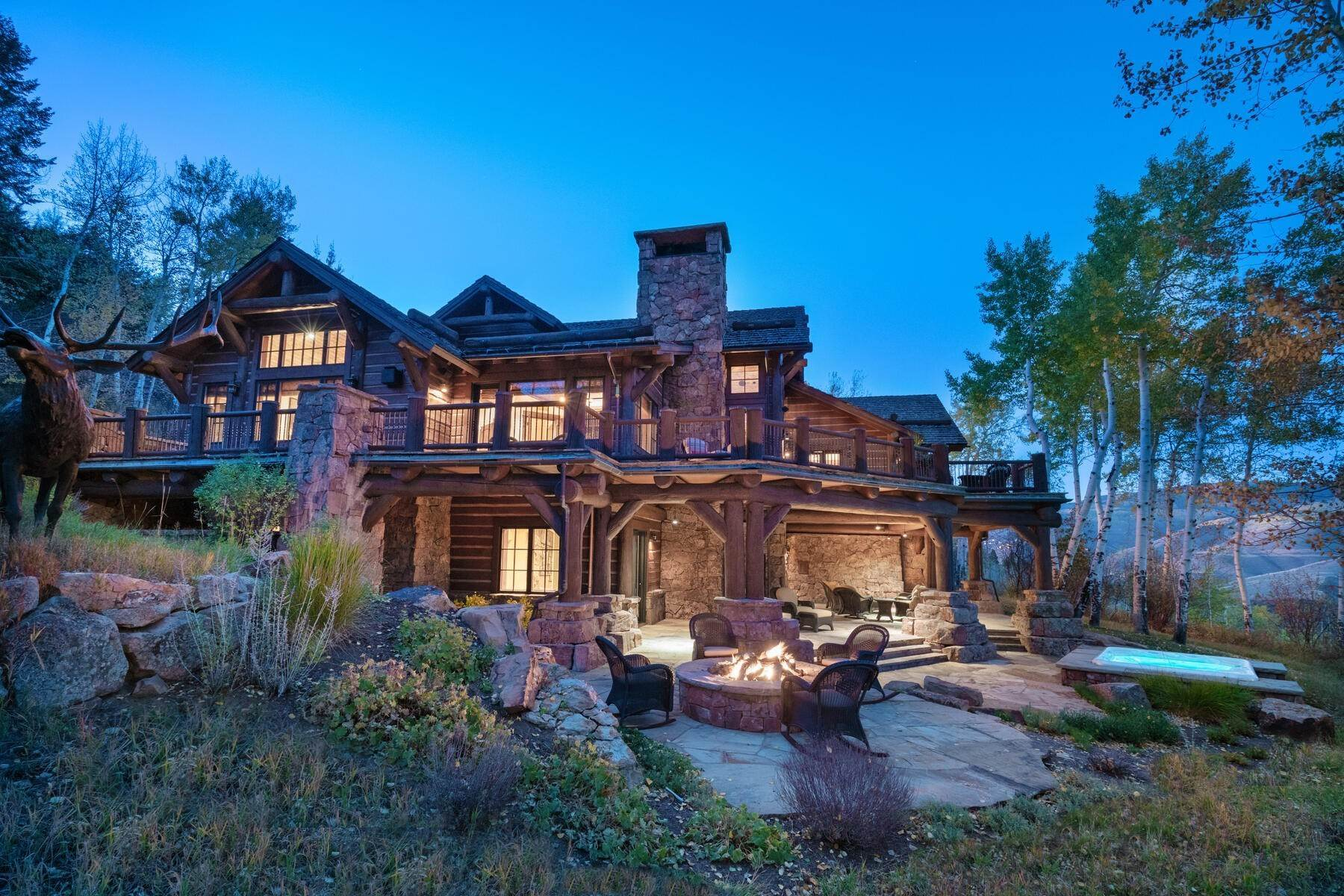 2. Single Family Homes for Active at Ski-in, ski-out residence with panoramic views 602 Bachelor Ridge Road Beaver Creek, Colorado 81620 United States