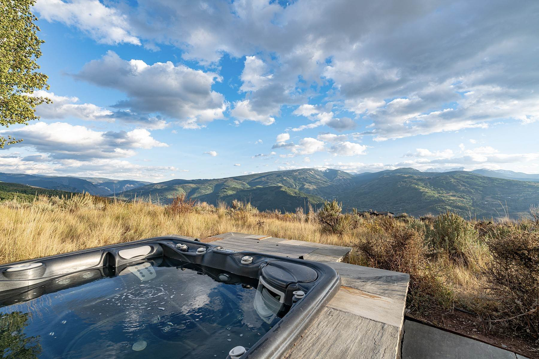 38. Single Family Homes for Active at Modern Mountaintop Luxury with Spectacular Views 587 Paintbrush Avon, Colorado 81620 United States