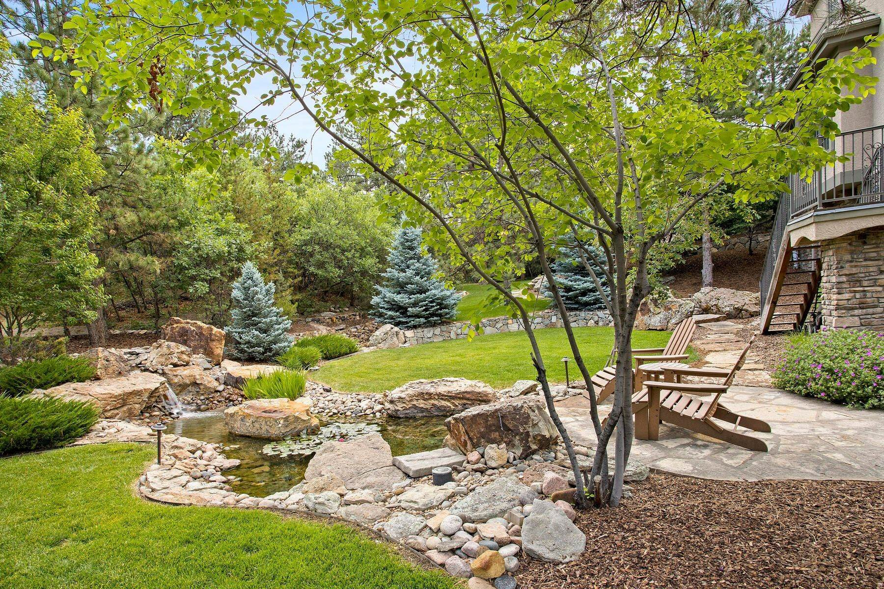 35. Single Family Homes for Active at 643 Ruby Trust Way, Castle Rock, Co, 80108 643 Ruby Trust Way Castle Rock, Colorado 80108 United States