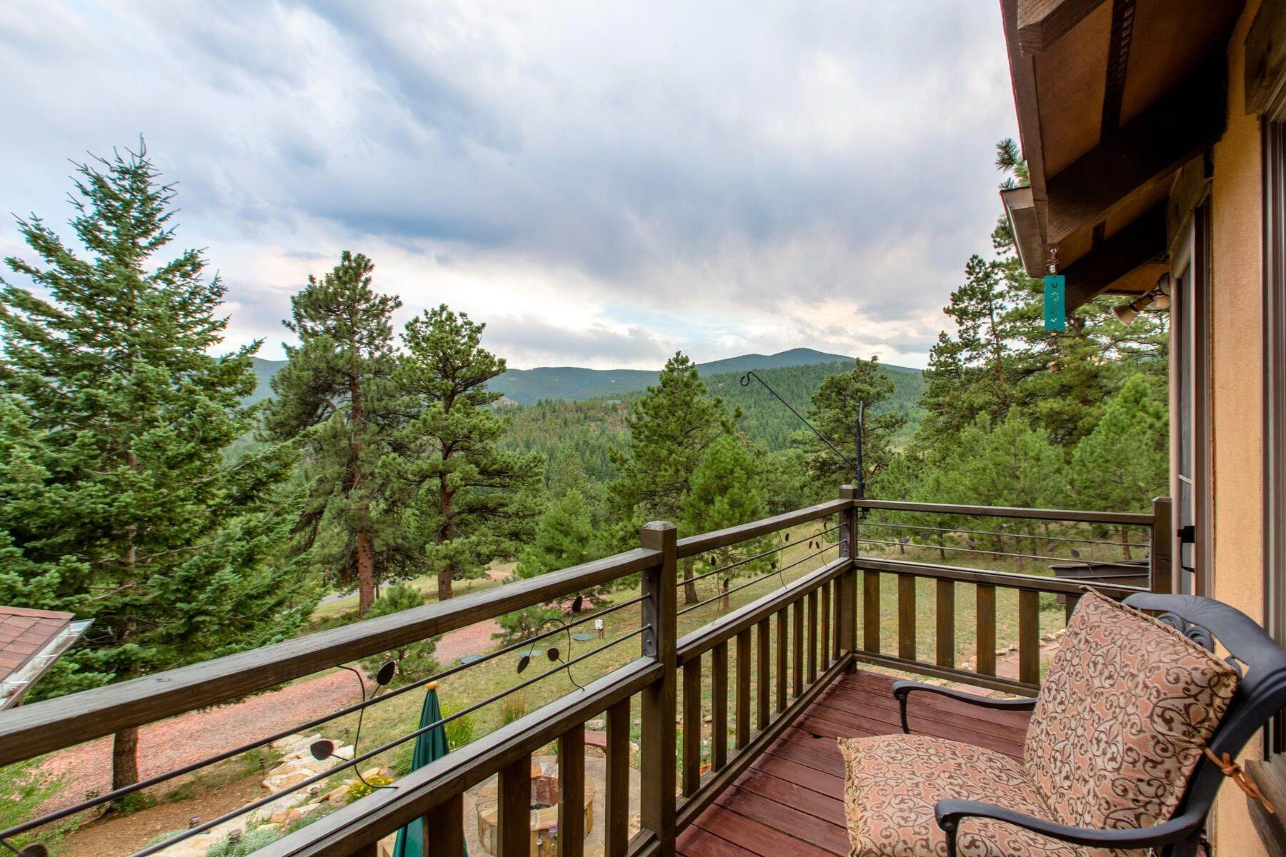 28. Single Family Homes for Active at Luxury Mountain Home with Endless Mountain Views & Ample Outdoor Living Spaces 34814 West Meadow Road Evergreen, Colorado 80439 United States