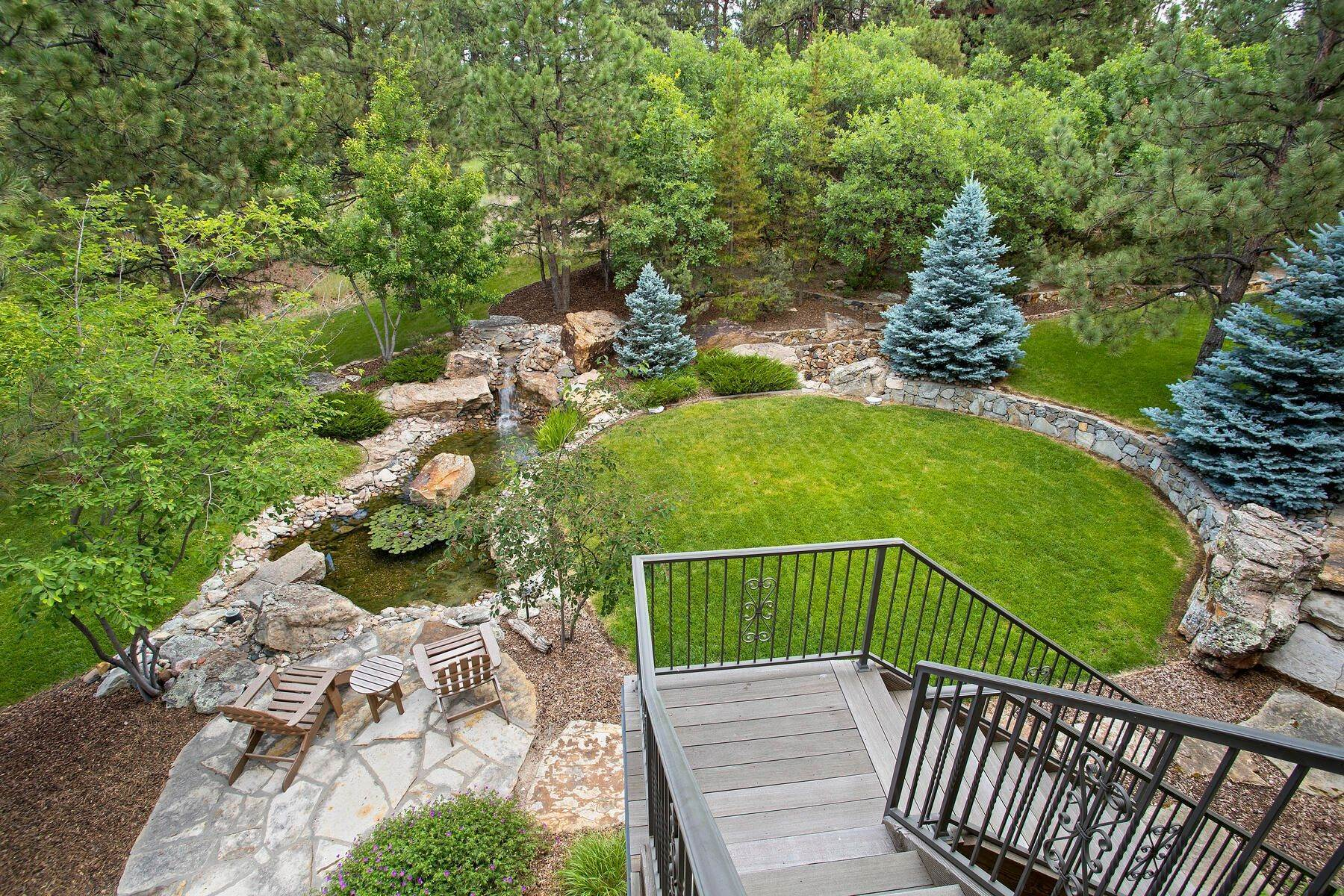 34. Single Family Homes for Active at 643 Ruby Trust Way, Castle Rock, Co, 80108 643 Ruby Trust Way Castle Rock, Colorado 80108 United States