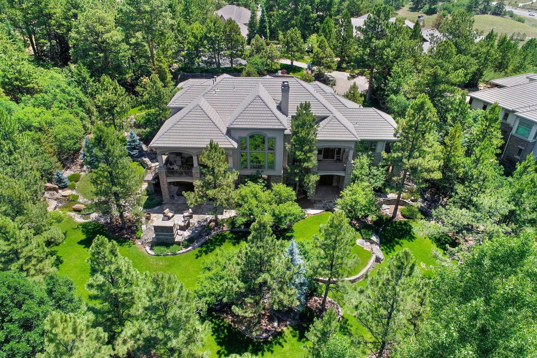 40. Single Family Homes for Active at 643 Ruby Trust Way, Castle Rock, Co, 80108 643 Ruby Trust Way Castle Rock, Colorado 80108 United States