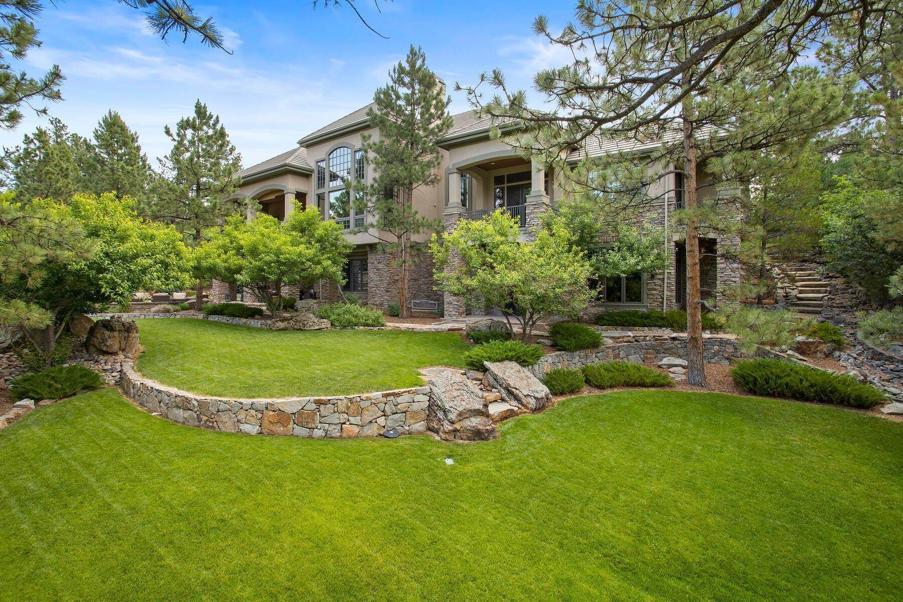 37. Single Family Homes for Active at 643 Ruby Trust Way, Castle Rock, Co, 80108 643 Ruby Trust Way Castle Rock, Colorado 80108 United States