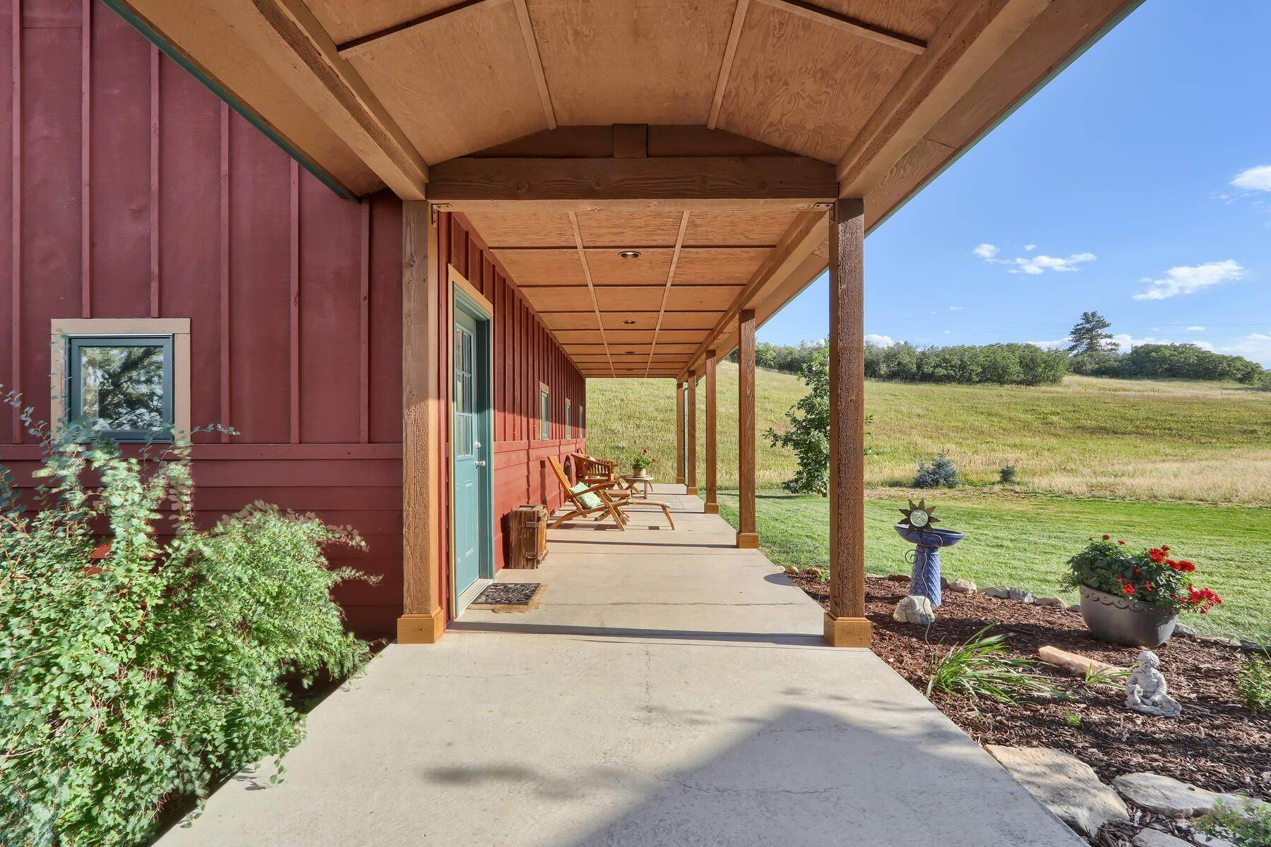 18. Single Family Homes for Active at 4710 Jackson Creek Road, Sedalia, Co, 80135 4710 Jackson Creek Road Sedalia, Colorado 80135 United States