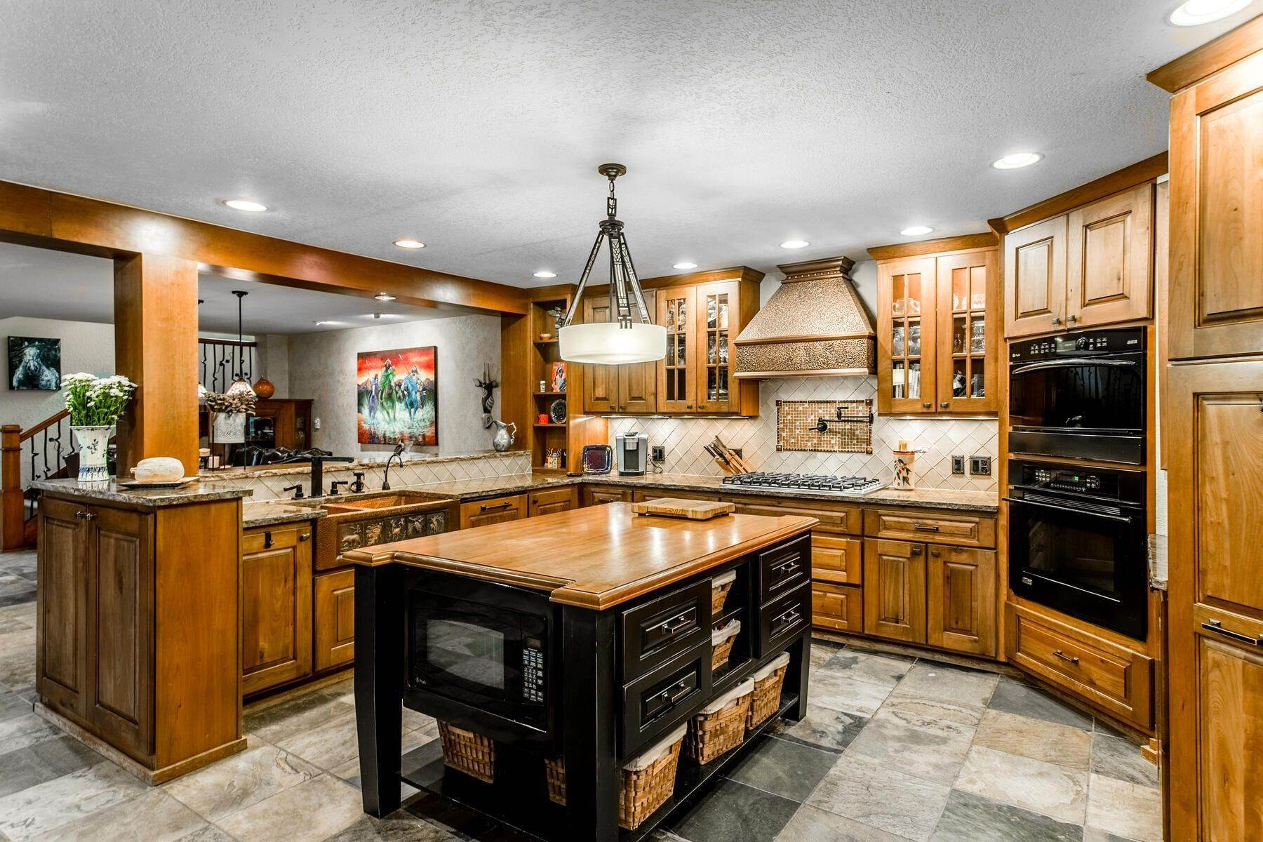 10. Single Family Homes for Active at Luxury Mountain Home with Endless Mountain Views & Ample Outdoor Living Spaces 34814 West Meadow Road Evergreen, Colorado 80439 United States